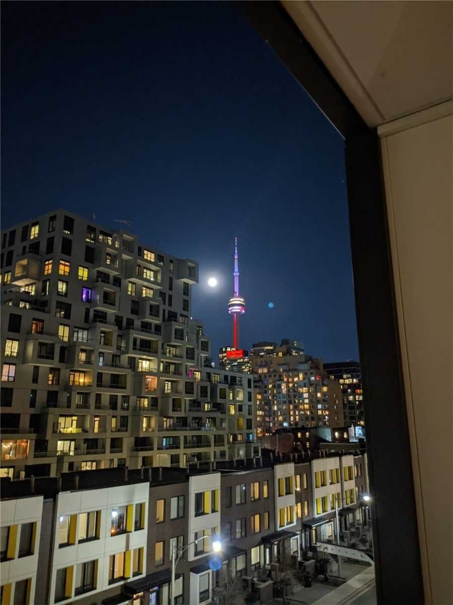 80 Vanauley St, unit 406 for sale in Toronto - image #1
