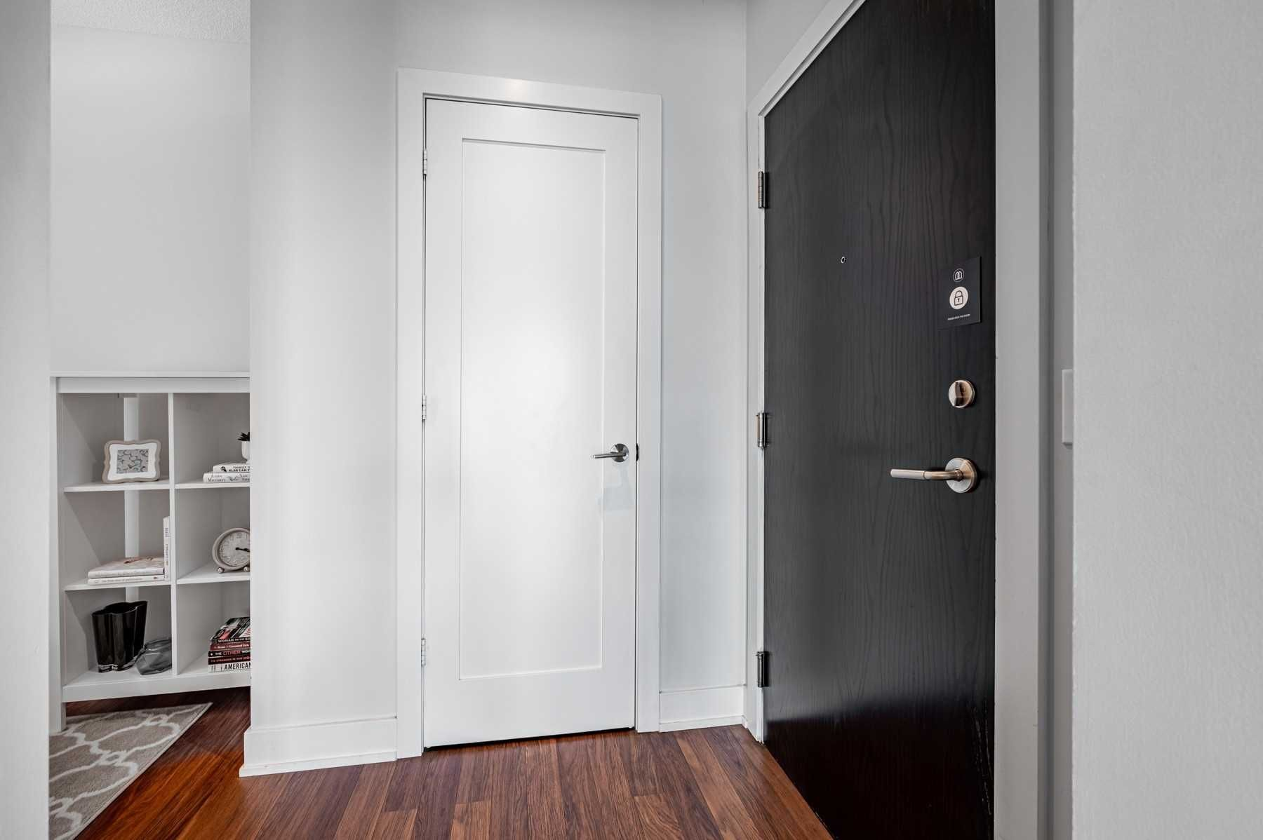 120 Homewood Ave, unit 1002 for sale in Toronto - image #2