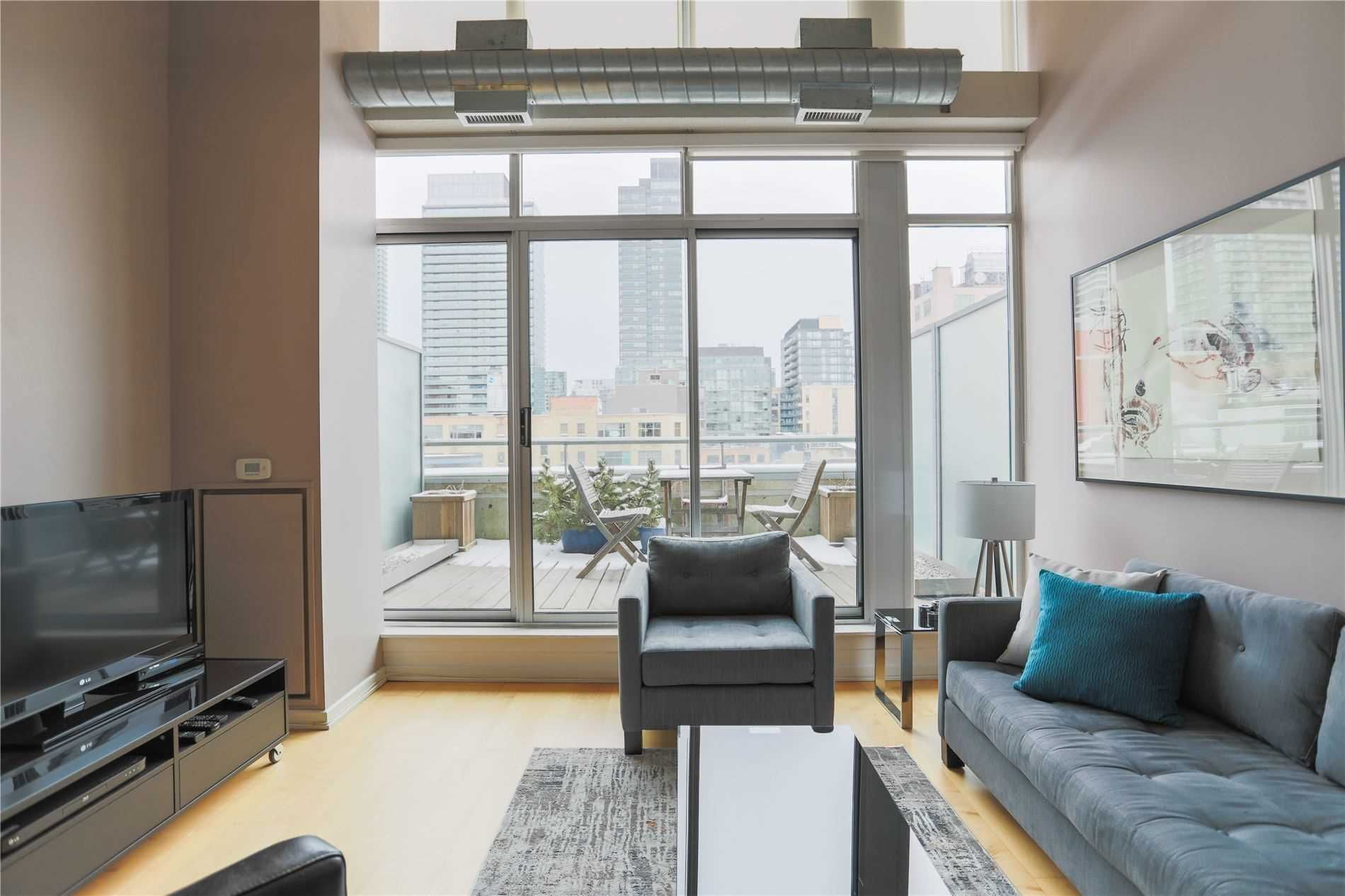 388 Richmond St, unit 704 for rent in Toronto - image #1