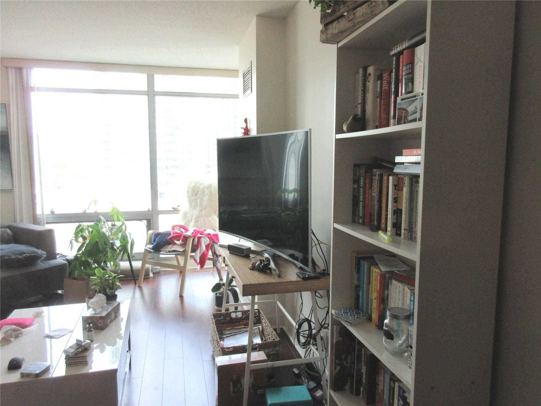 81 Navy Wharf Crt, unit 711 for rent in Toronto - image #2