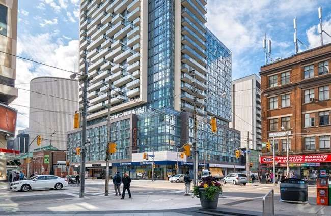 570 Bay St, unit 813 for rent in Toronto - image #1