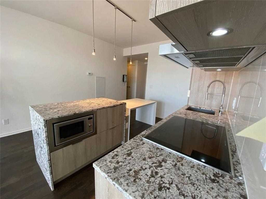 1 Bloor St E, unit 5410 for rent in Toronto - image #2