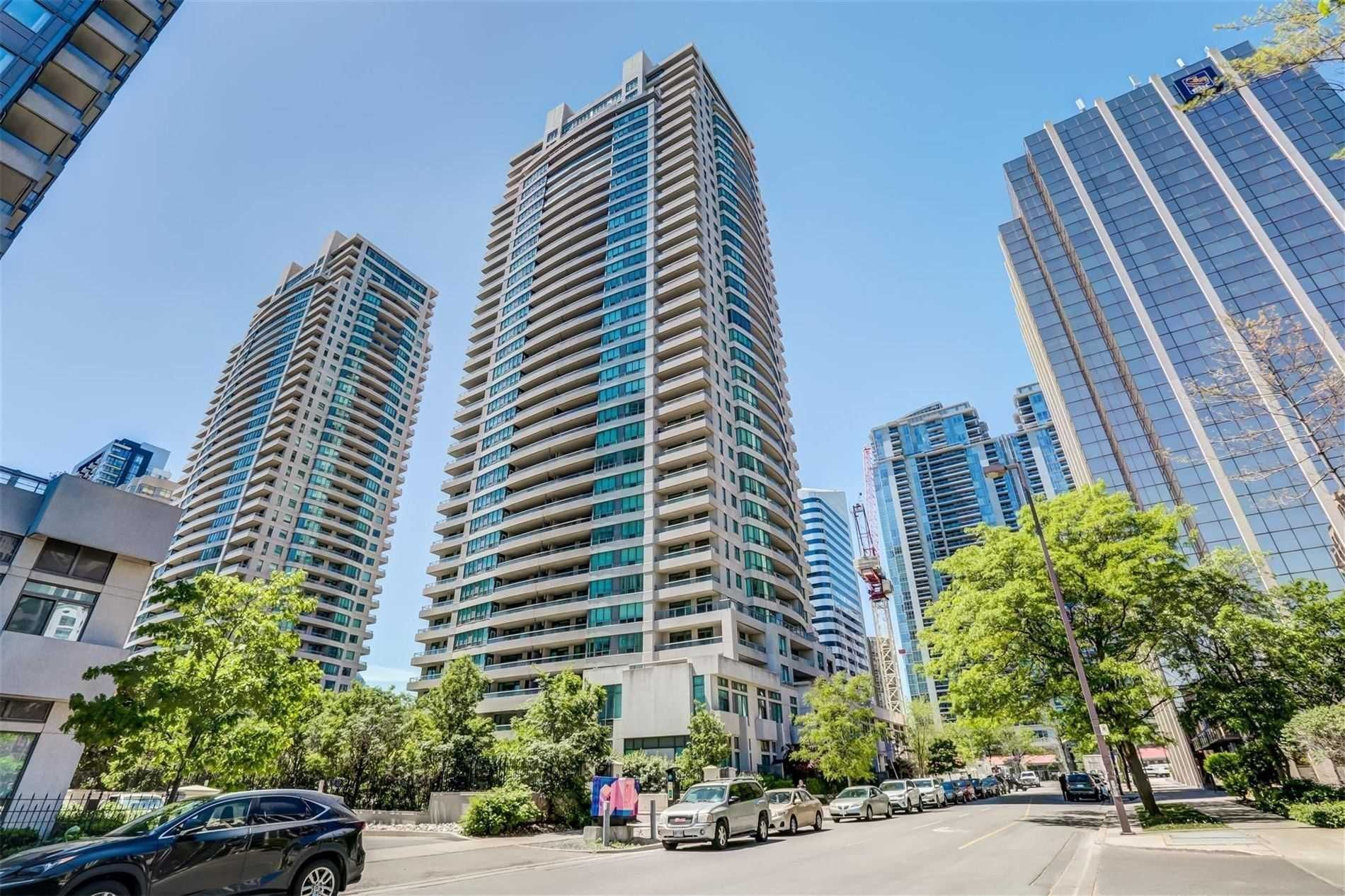 23 Hollywood Ave, unit 506 for sale in Toronto - image #1
