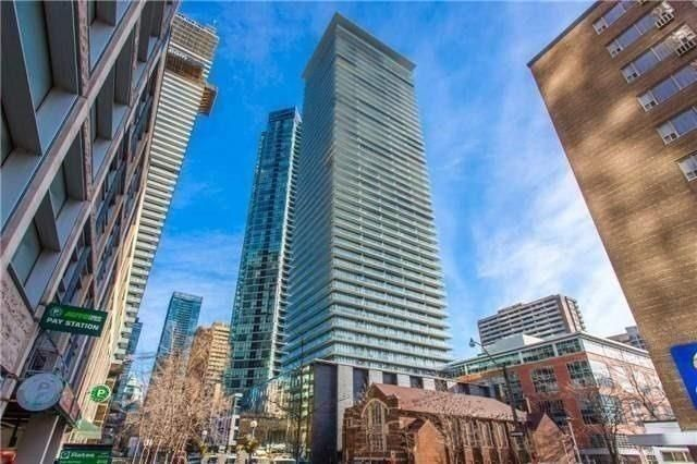 33 Charles St E, unit 2709 for rent in Toronto - image #1
