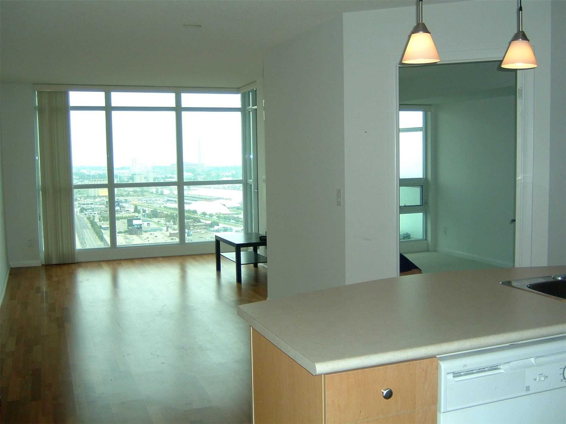 18 Yonge St, unit 3107 for rent in Toronto - image #2