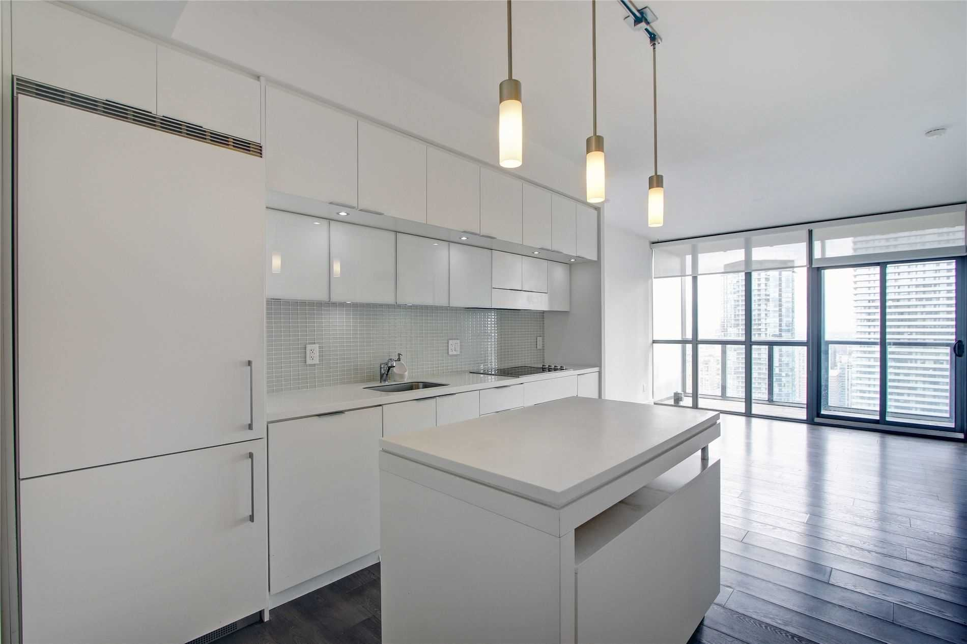 110 Charles St E, unit 3803 for rent in Toronto - image #2