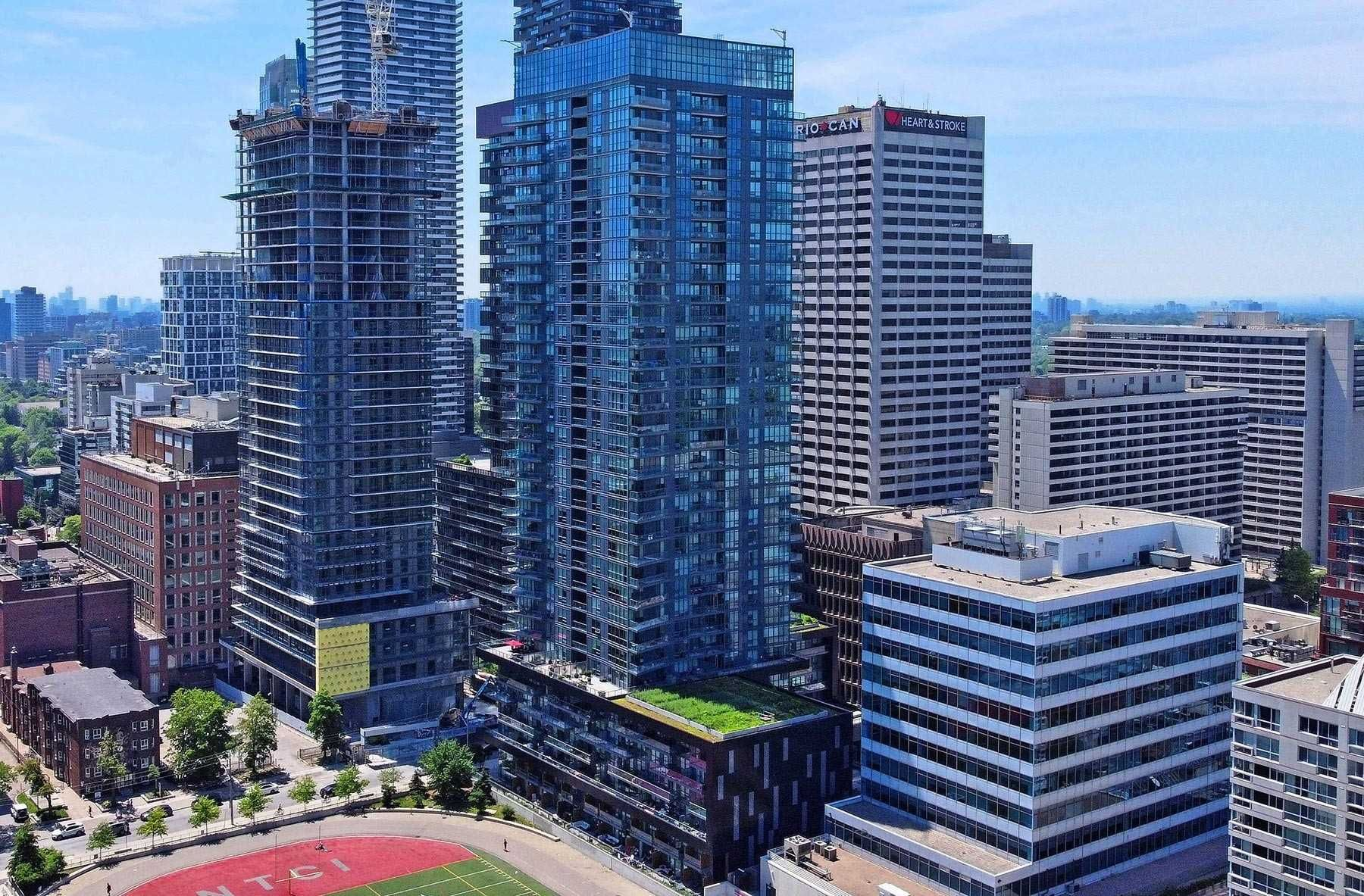 30 Roehampton Ave, unit 705 for sale in Toronto - image #2