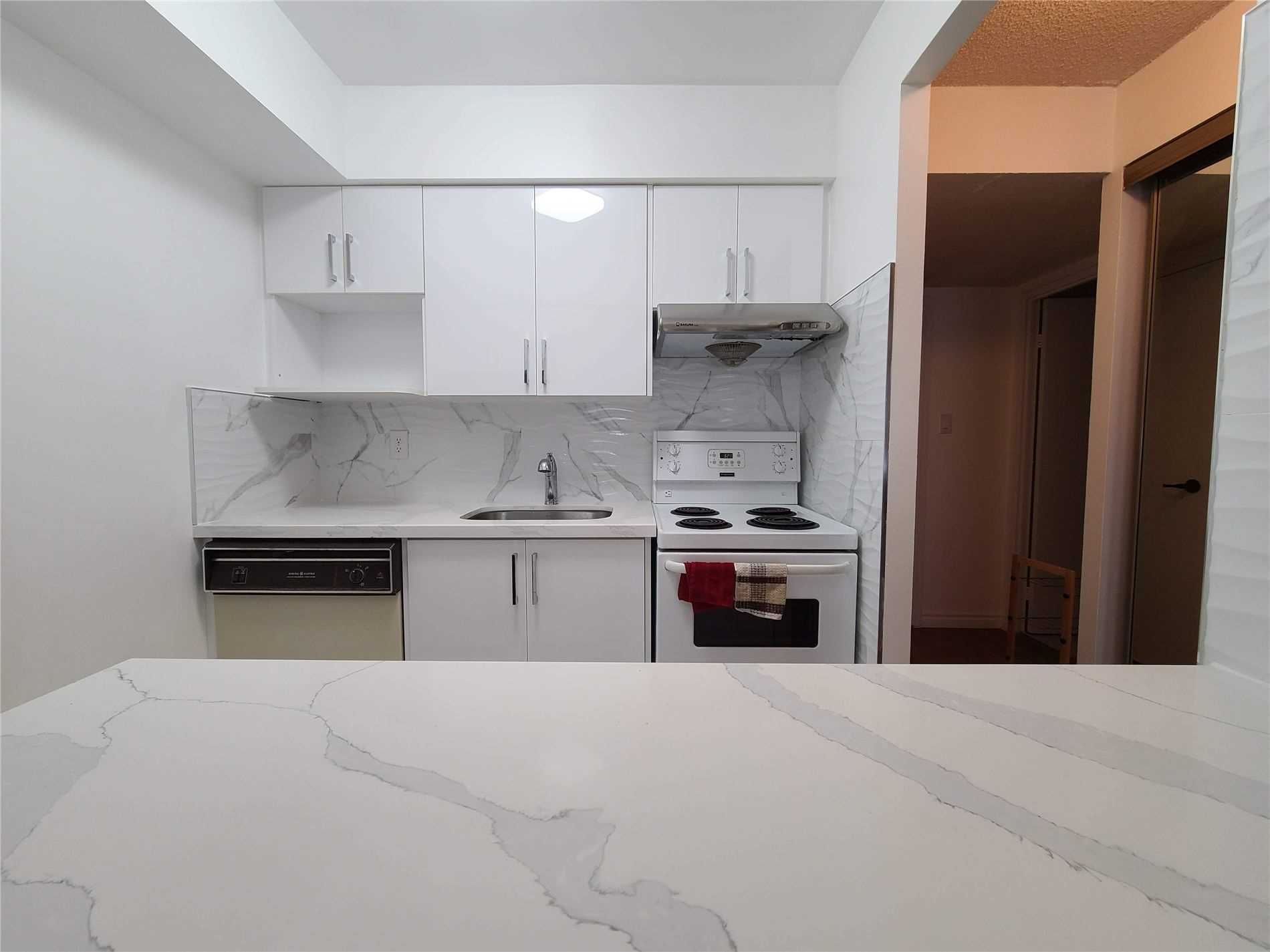 633 Bay St, unit 1202 for rent in Toronto - image #1