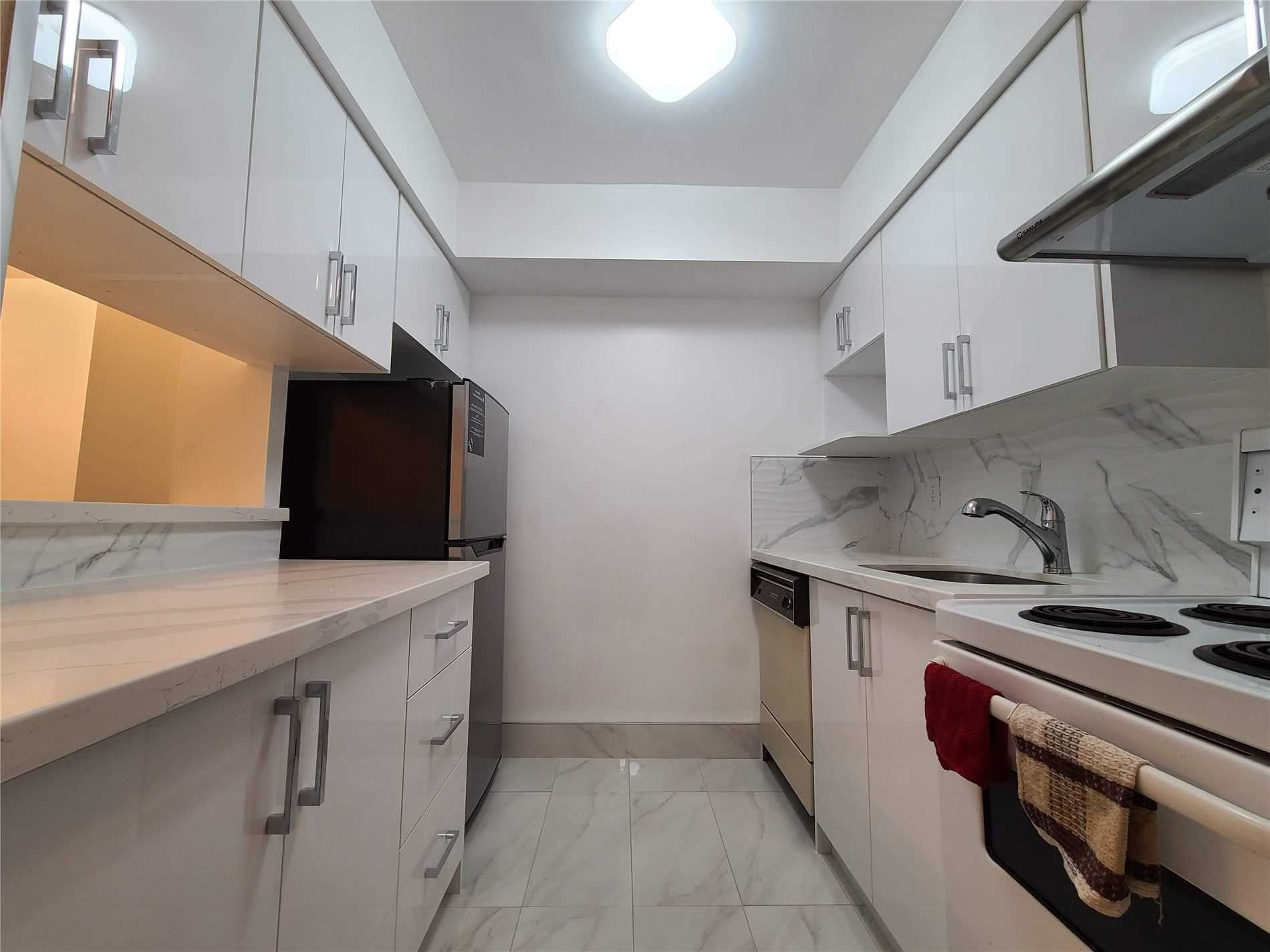 633 Bay St, unit 1202 for rent in Toronto - image #2
