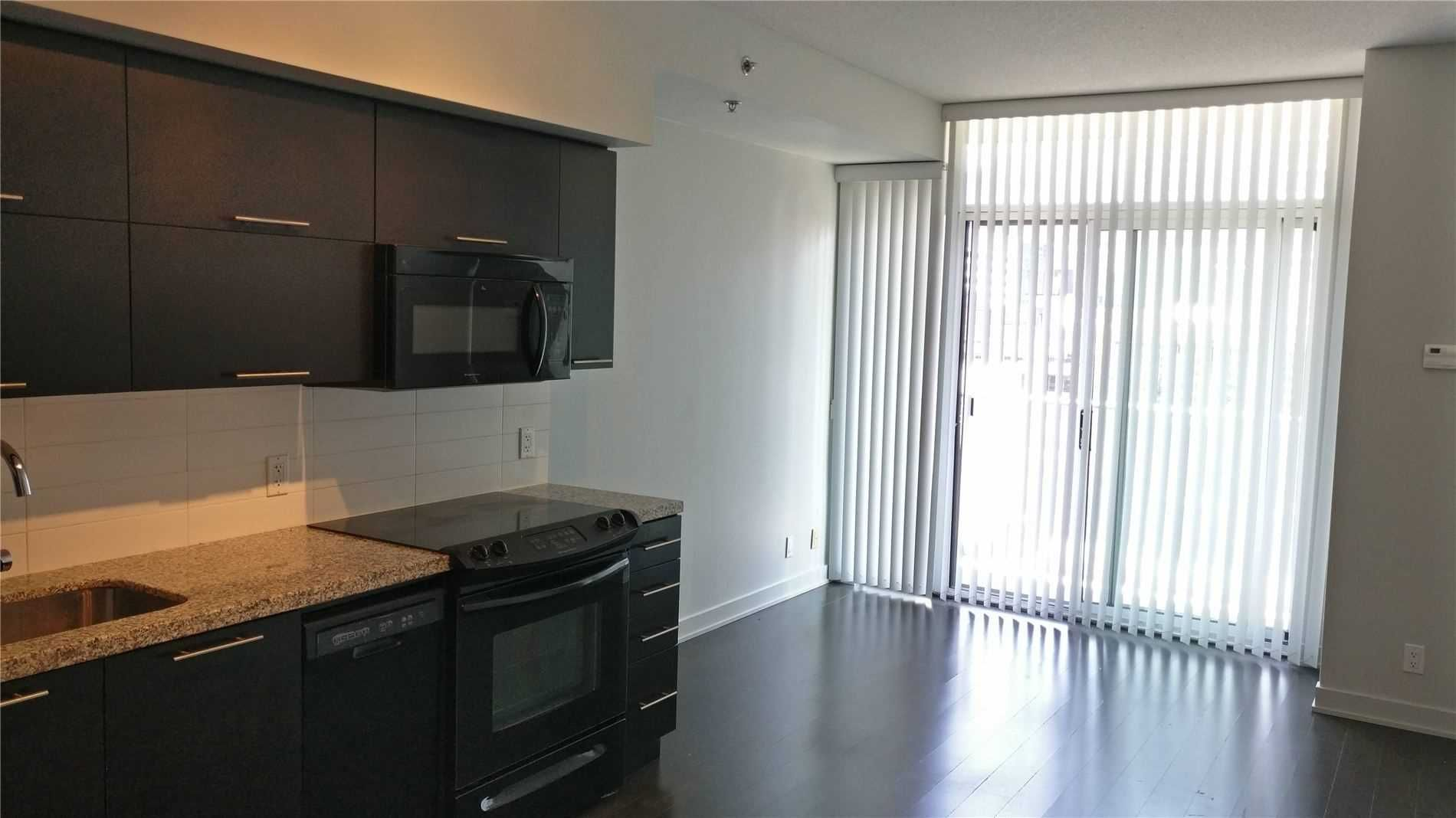21 Nelson St, unit 823 for rent in Toronto - image #1