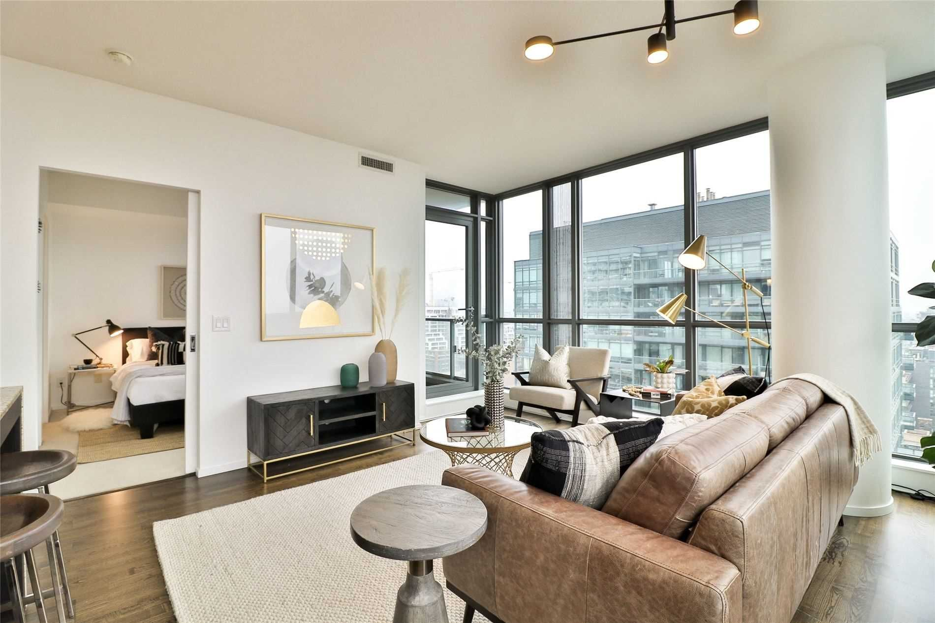 8 Charlotte St, unit 1802 for sale in Toronto - image #2