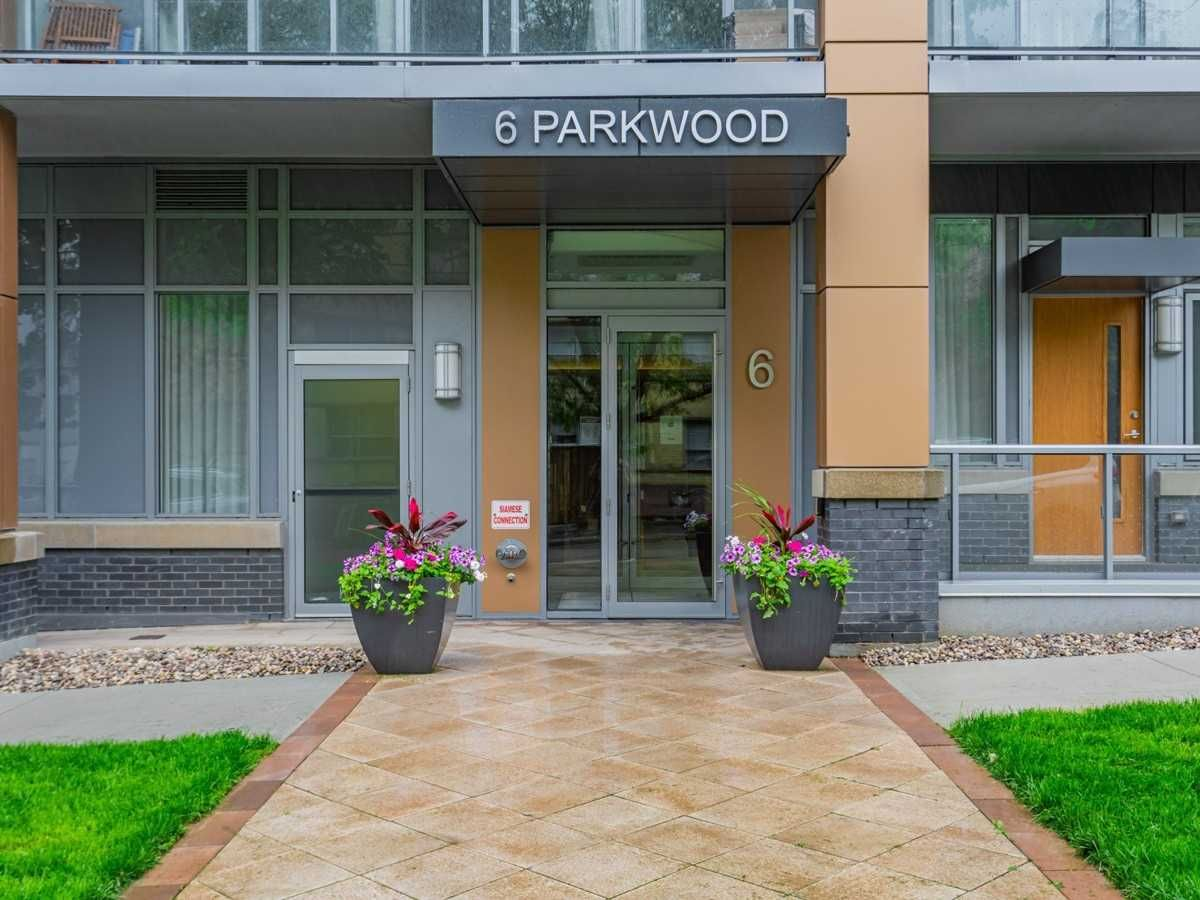 6 Parkwood Ave, unit Th102 for sale in Toronto - image #2
