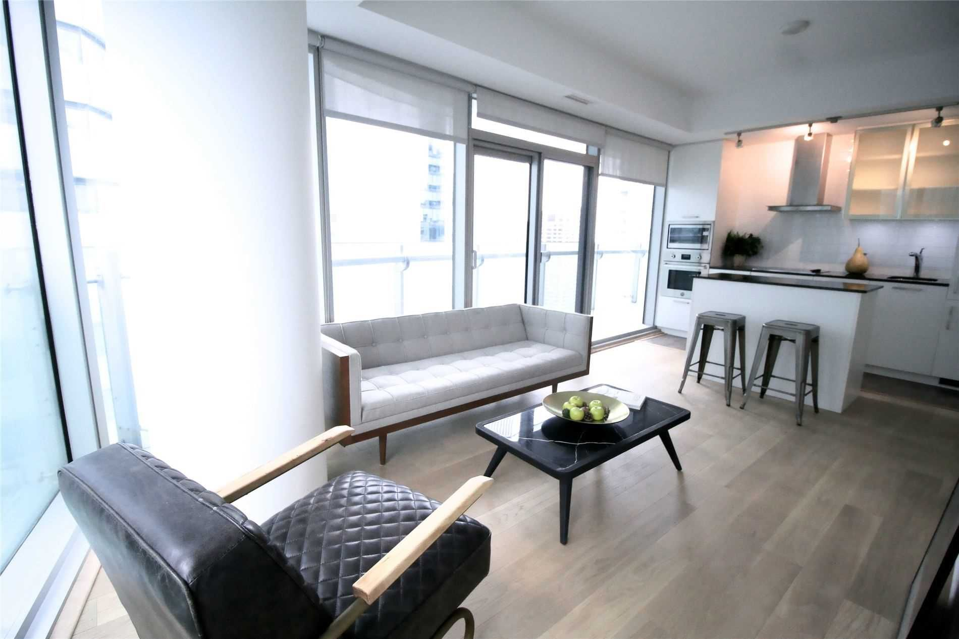 12 York St, unit 2810 for sale in Toronto - image #1