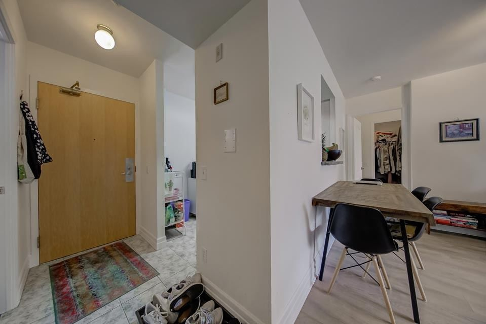 5 Rosehill Ave, unit 612 for sale in Toronto - image #2