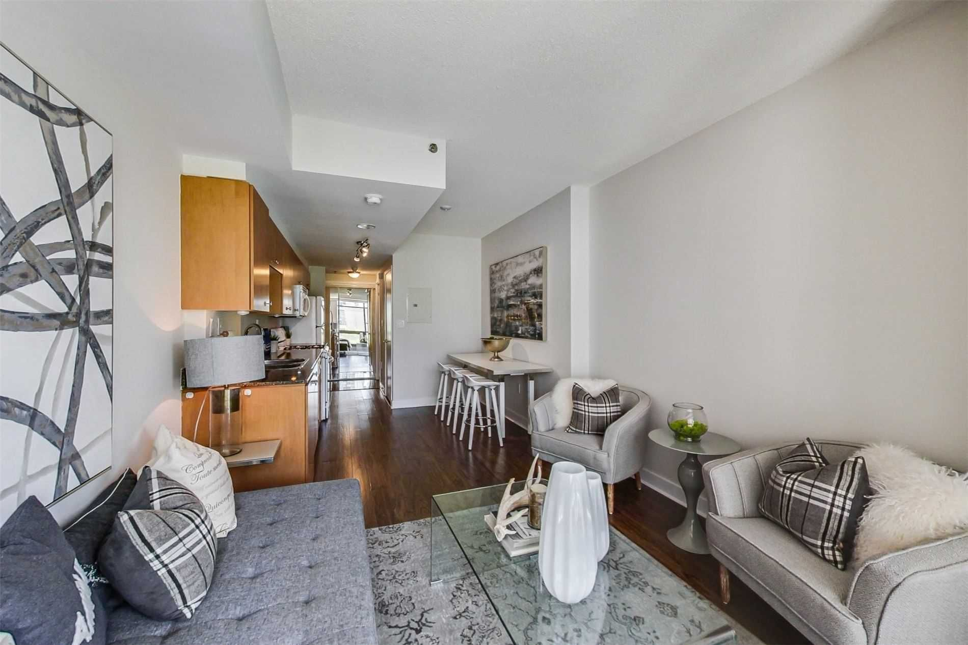 3 Navy Wharf Crt, unit 201 for sale in Toronto - image #2