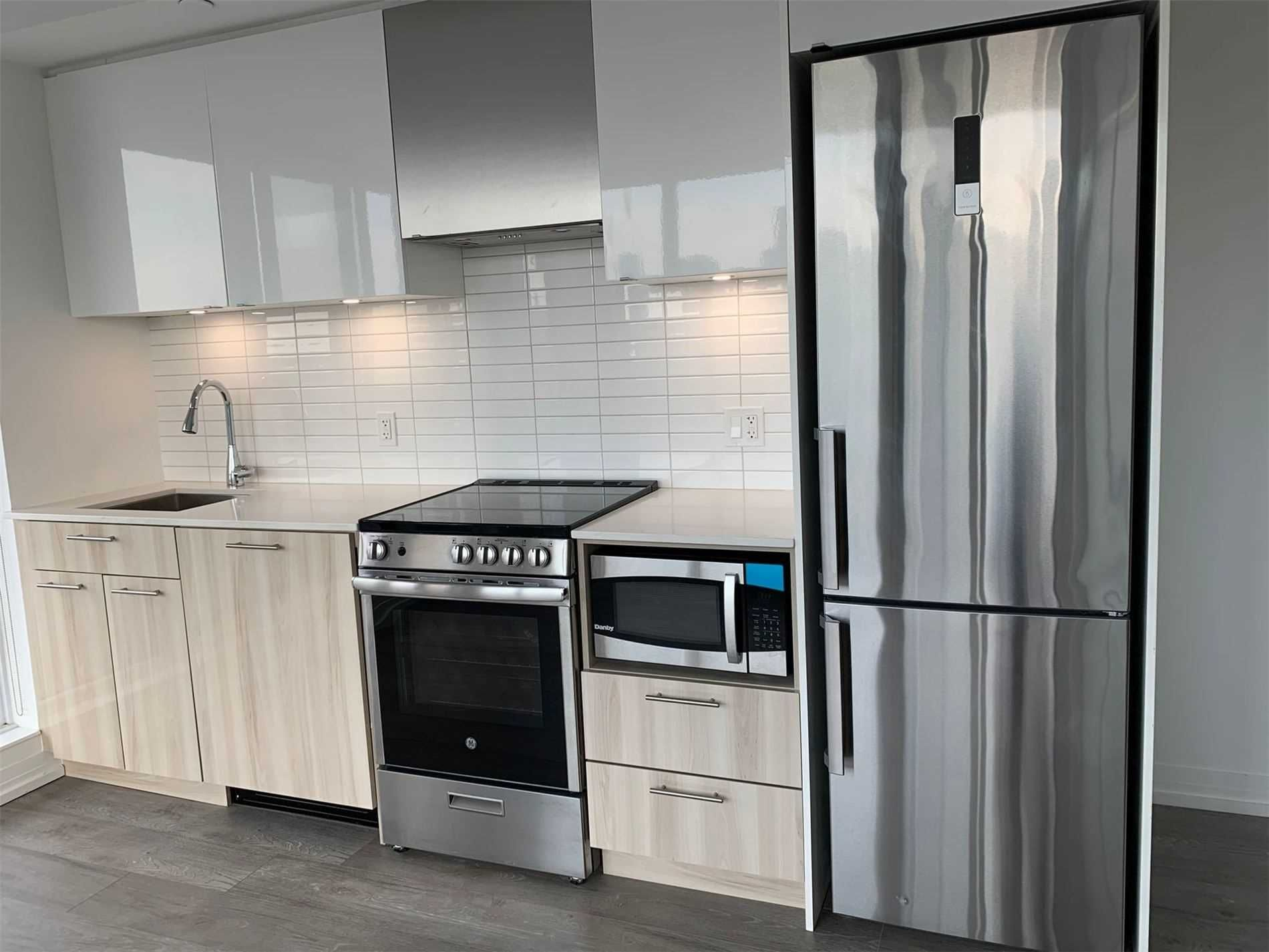 251 Jarvis St, unit 909 for sale in Toronto - image #2