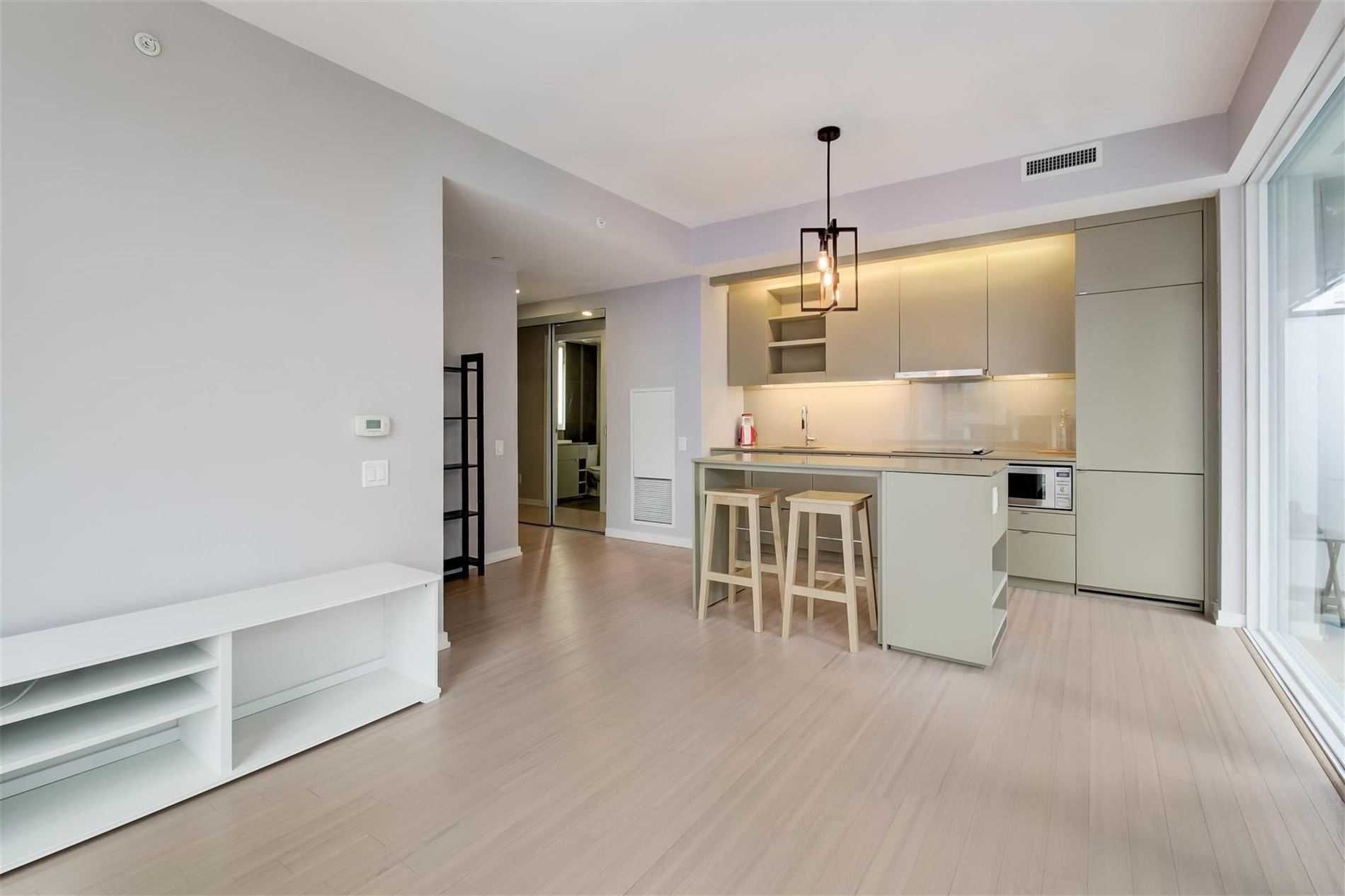 101 Peter St, unit 903 for rent in Toronto - image #1