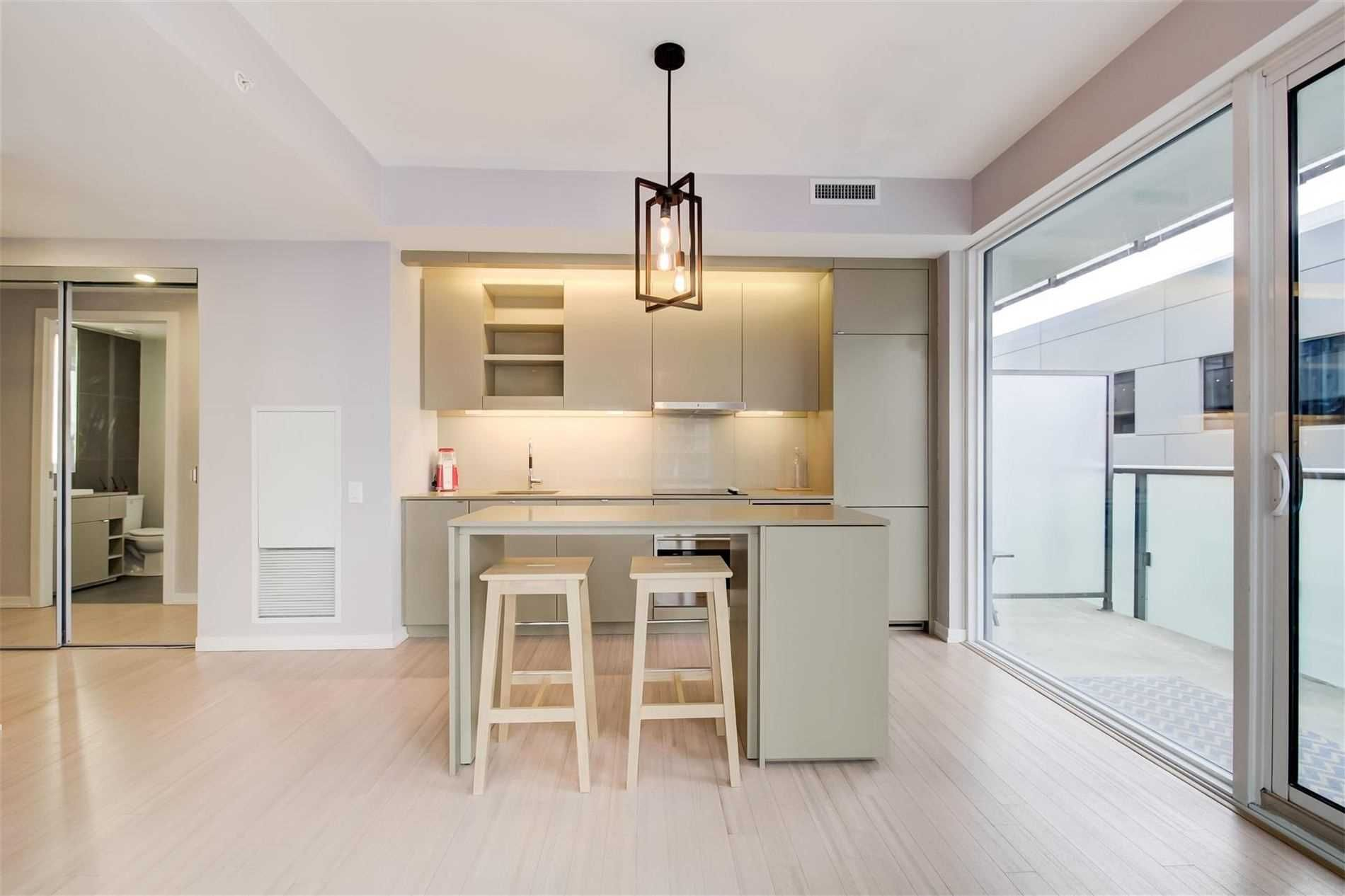 101 Peter St, unit 903 for rent in Toronto - image #2