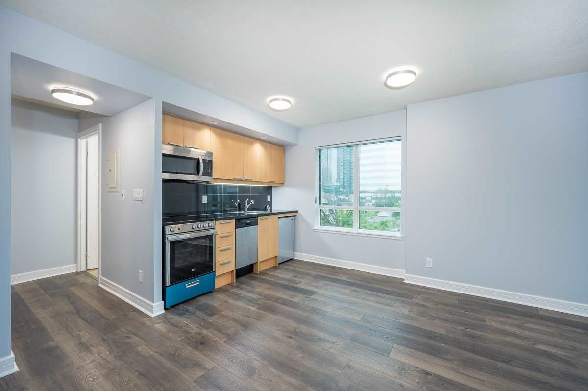 19 Avondale Ave, unit 309 for sale in Toronto - image #2