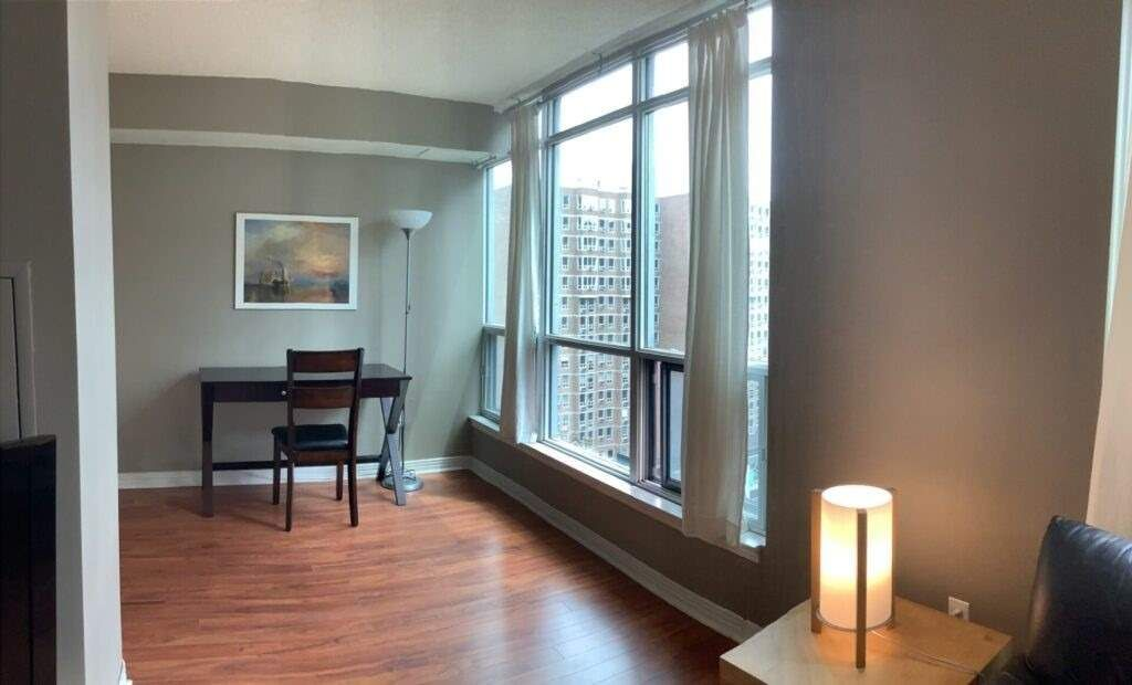 942 Yonge St, unit 1005 for rent in Toronto - image #2