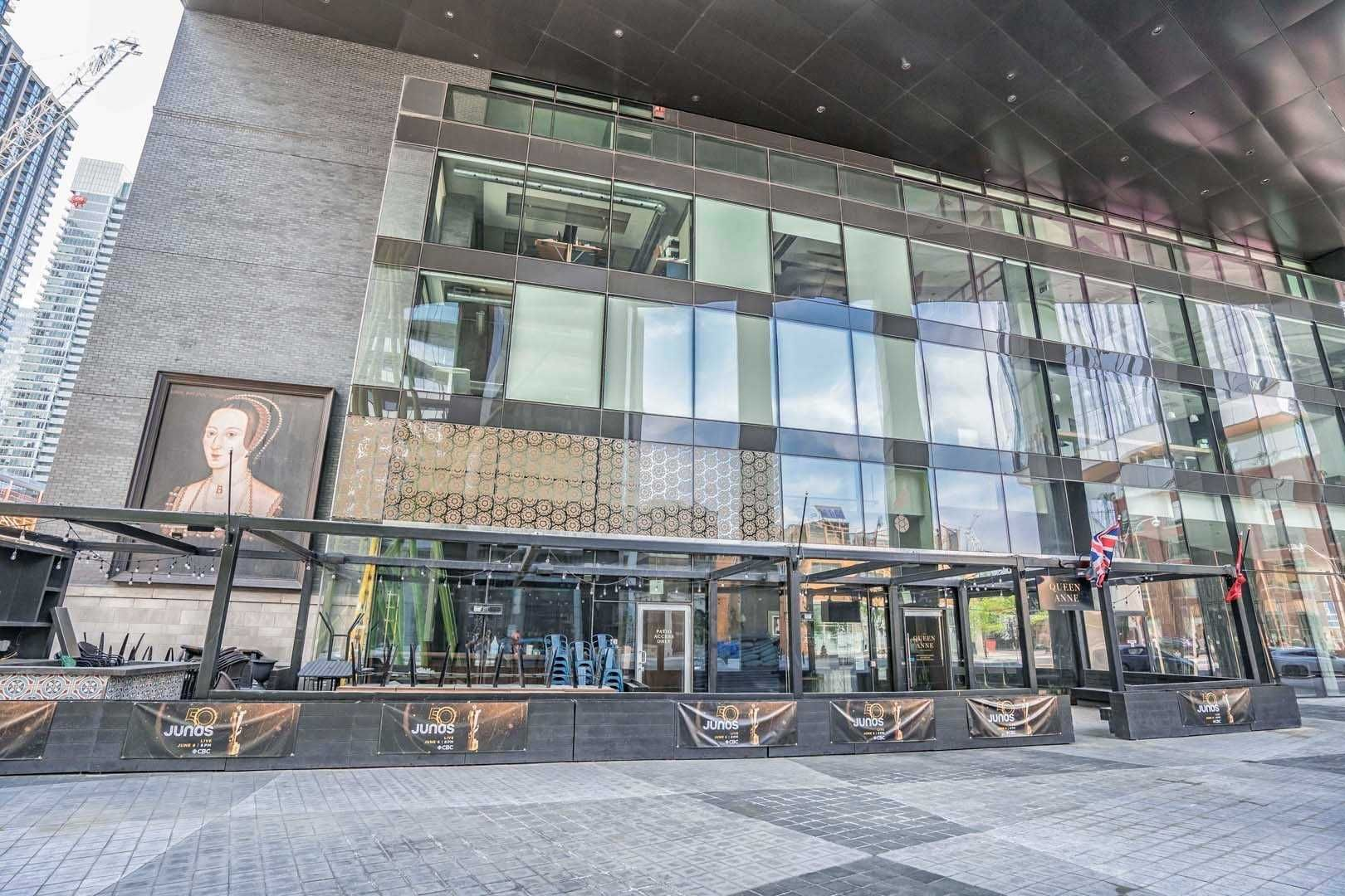 125 Peter St, unit 3312 for sale in Toronto - image #2