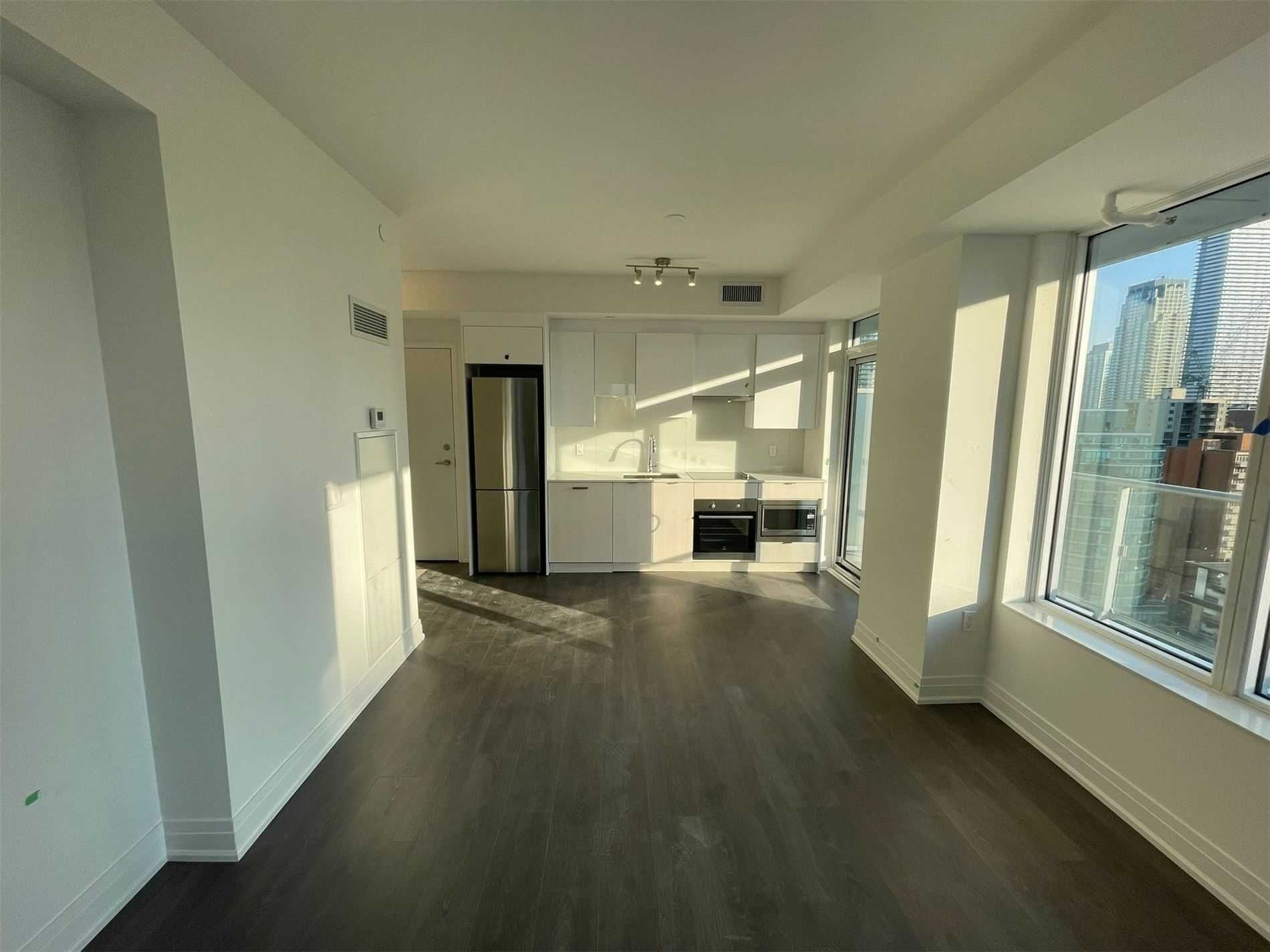 99 Broadway Ave, unit 1810 Nt for rent in Toronto - image #1