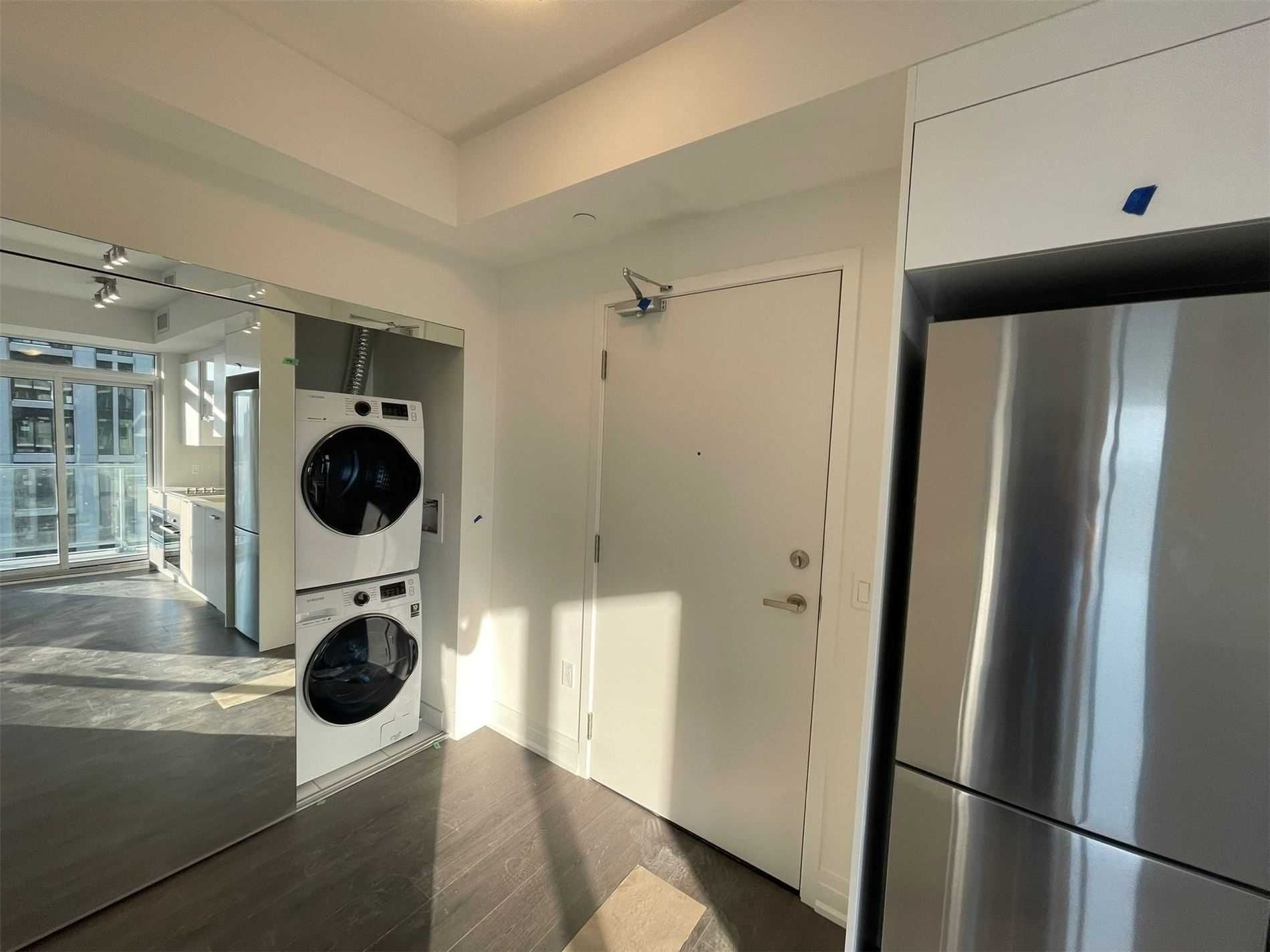 99 Broadway Ave, unit 1810 Nt for rent in Toronto - image #2