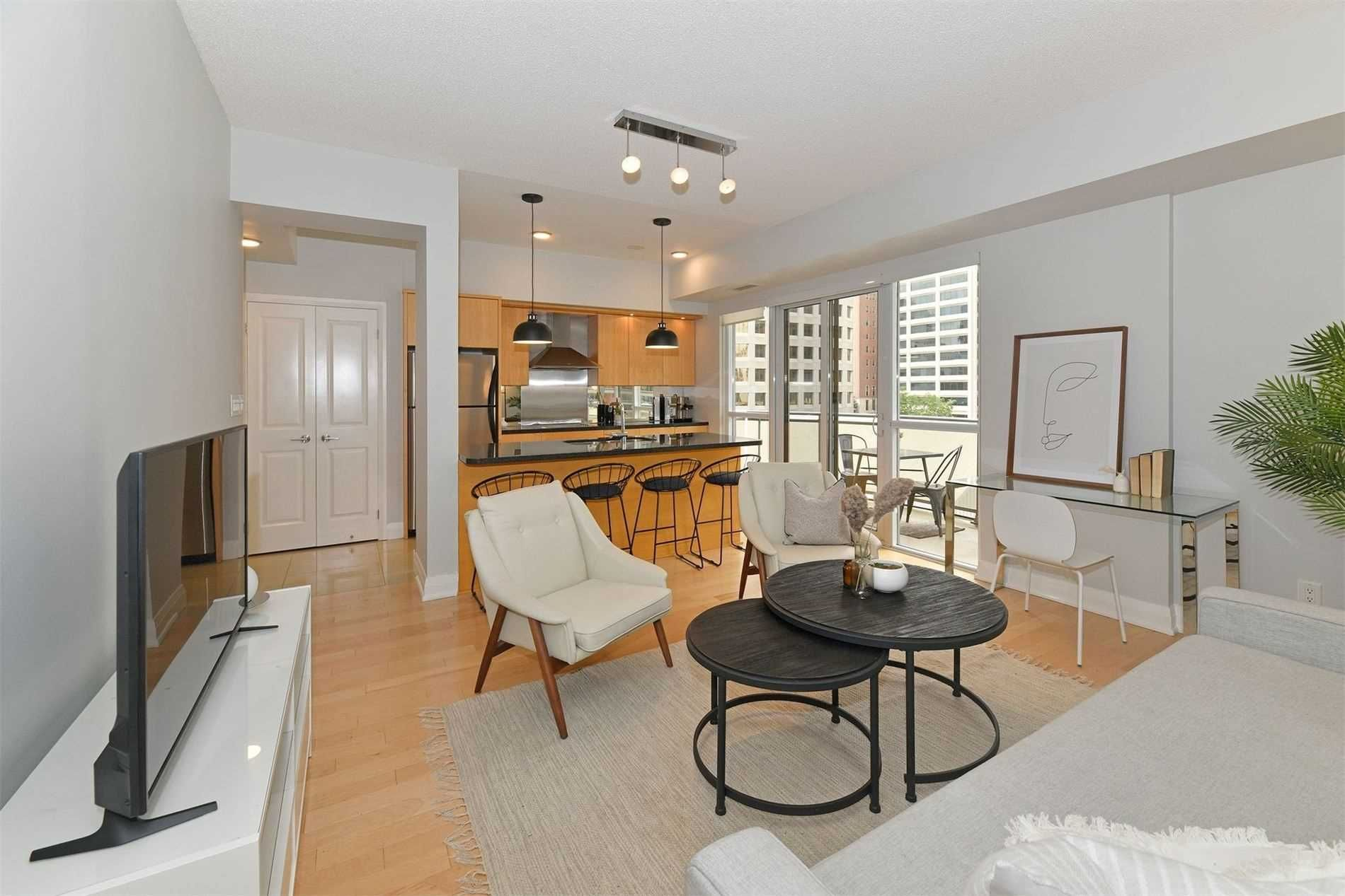 1430 Yonge St, unit 511 for sale in Toronto - image #2