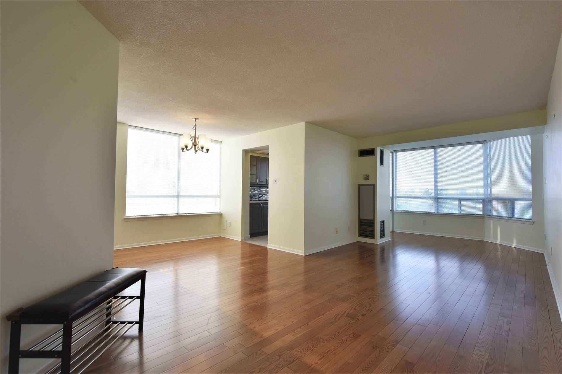 1121 Steeles Ave W, unit 809 for sale in Toronto - image #2