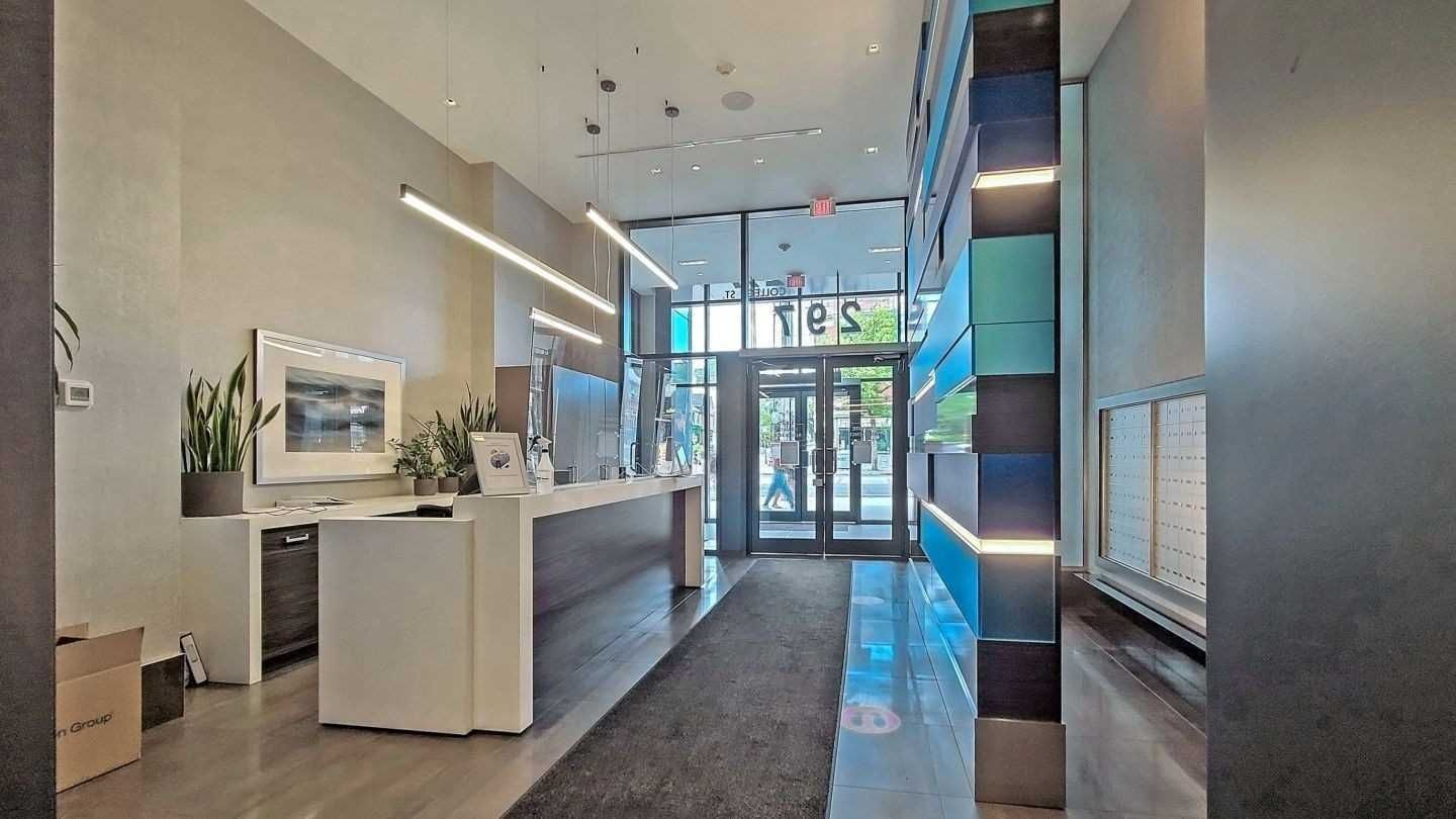 297 College St, unit 1020 for sale in Toronto - image #1