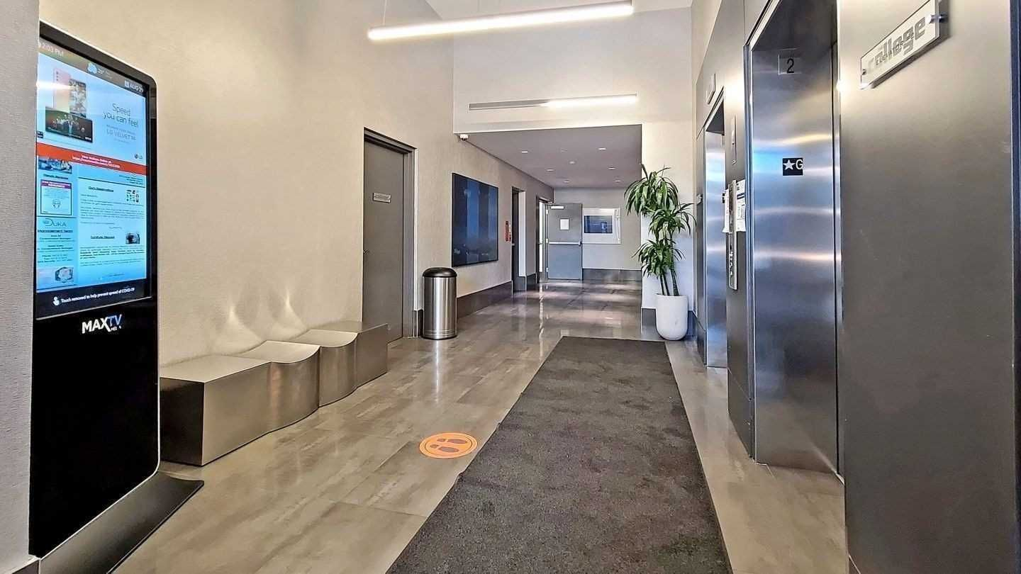 297 College St, unit 1020 for sale in Toronto - image #2