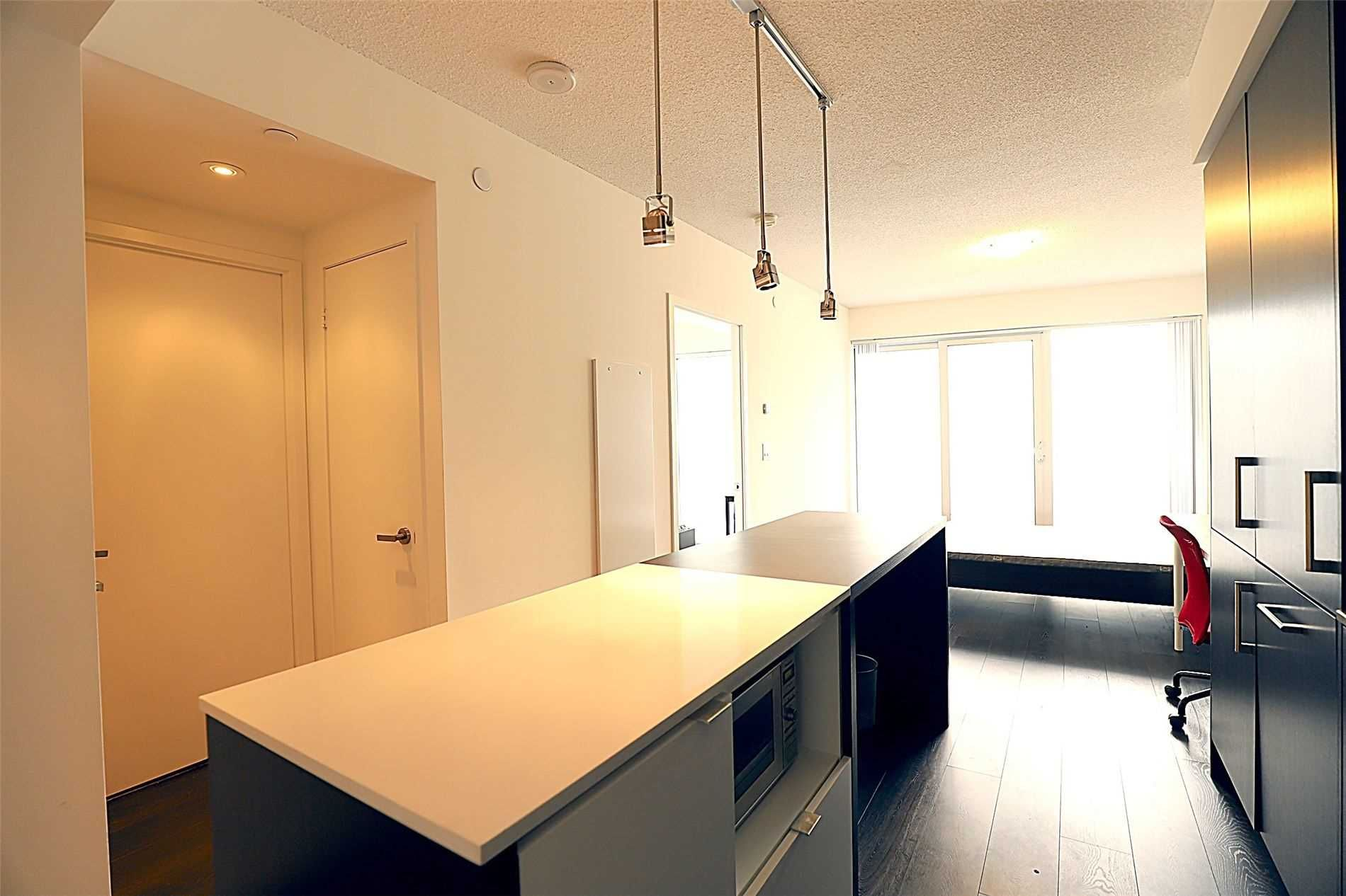 88 Harbour St, unit 2003 for rent in Toronto - image #1