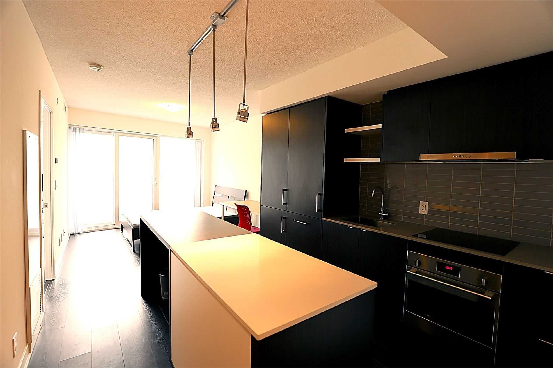 88 Harbour St, unit 2003 for rent in Toronto - image #2