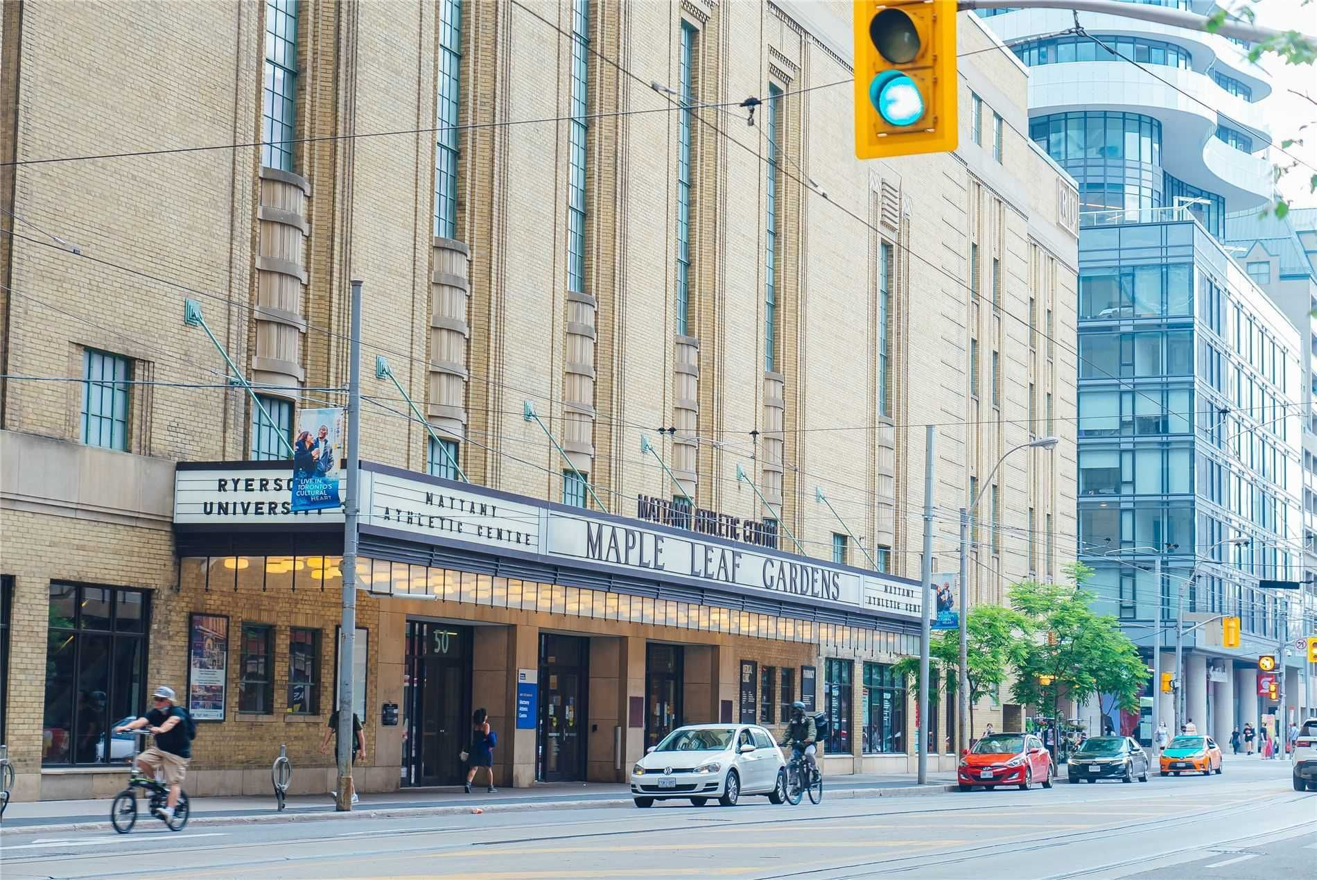45 Carlton St, unit 1910 for sale in Toronto - image #2