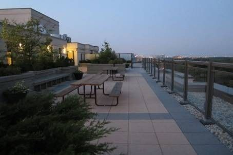 872 Sheppard Ave W, unit 706 for sale in Toronto - image #2