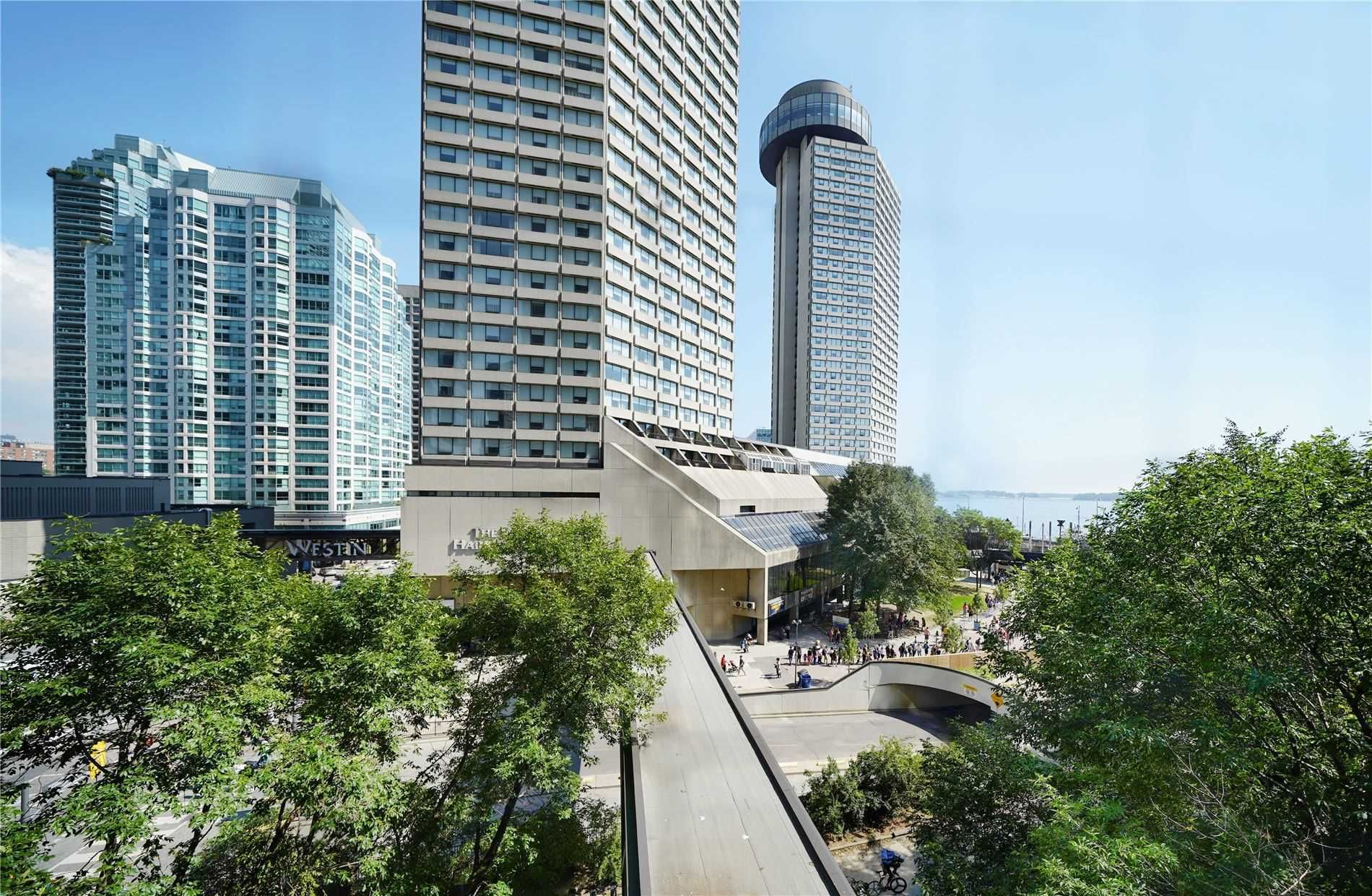 33 Harbour Sq, unit 515 for sale in Toronto - image #2