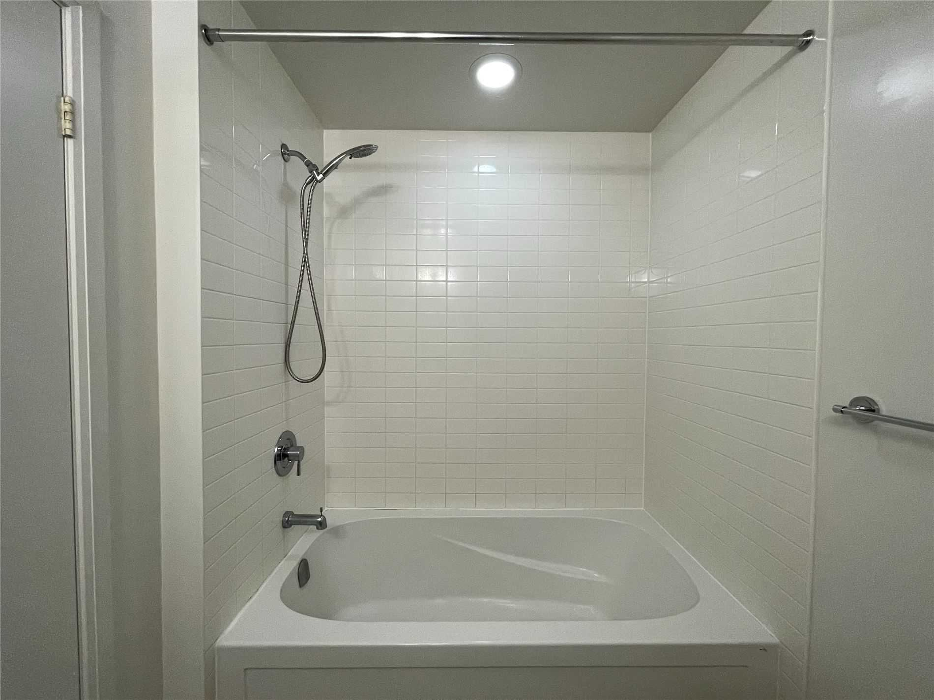 88 Sheppard Ave E, unit 1503 for rent in Toronto - image #2