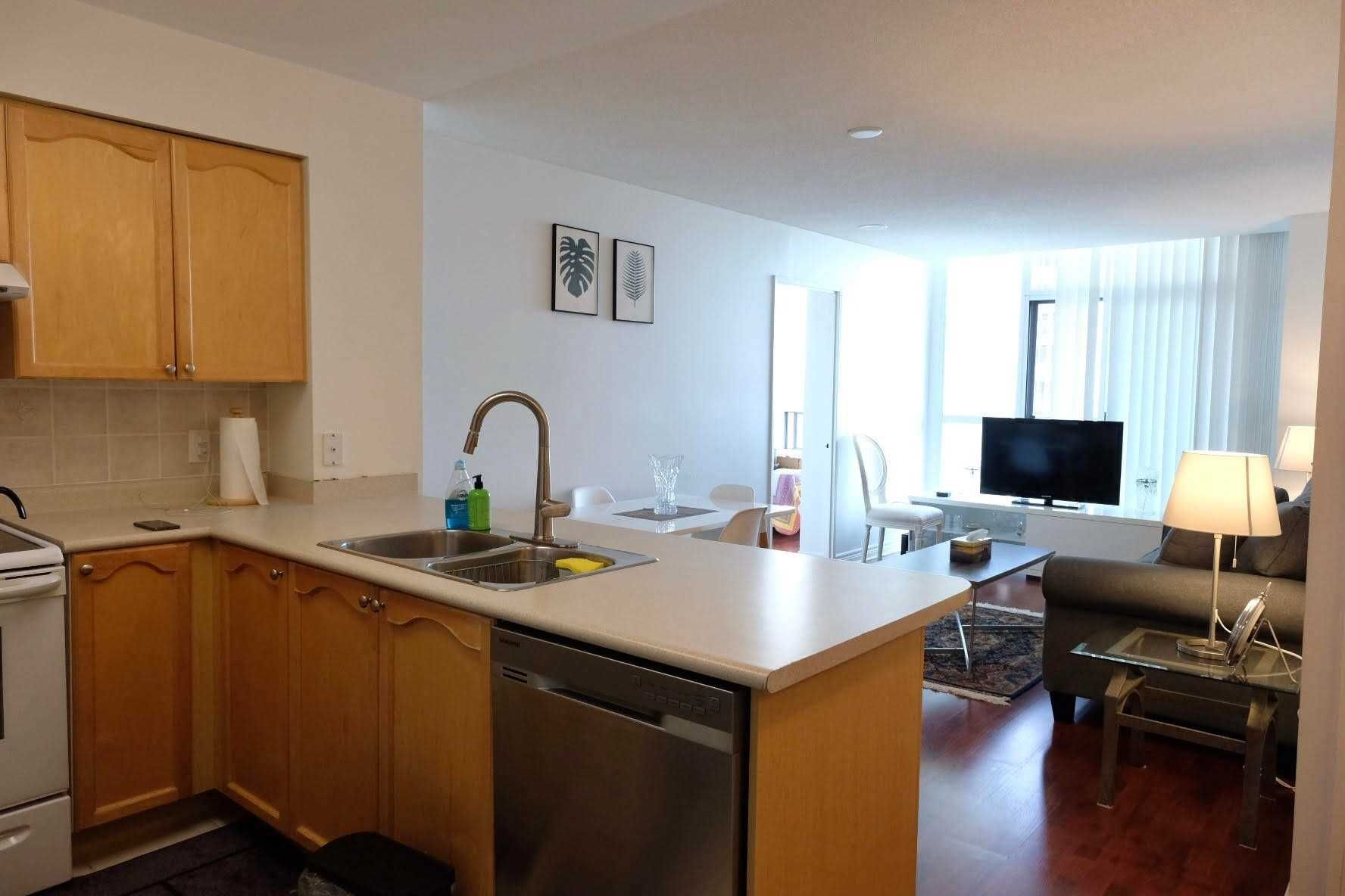 23 Hollywood Ave, unit 2803 for sale in Toronto - image #2