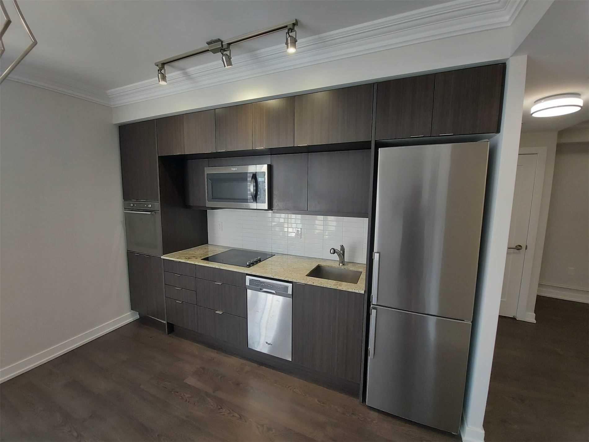 10 York St, unit 2303 for rent in Toronto - image #2