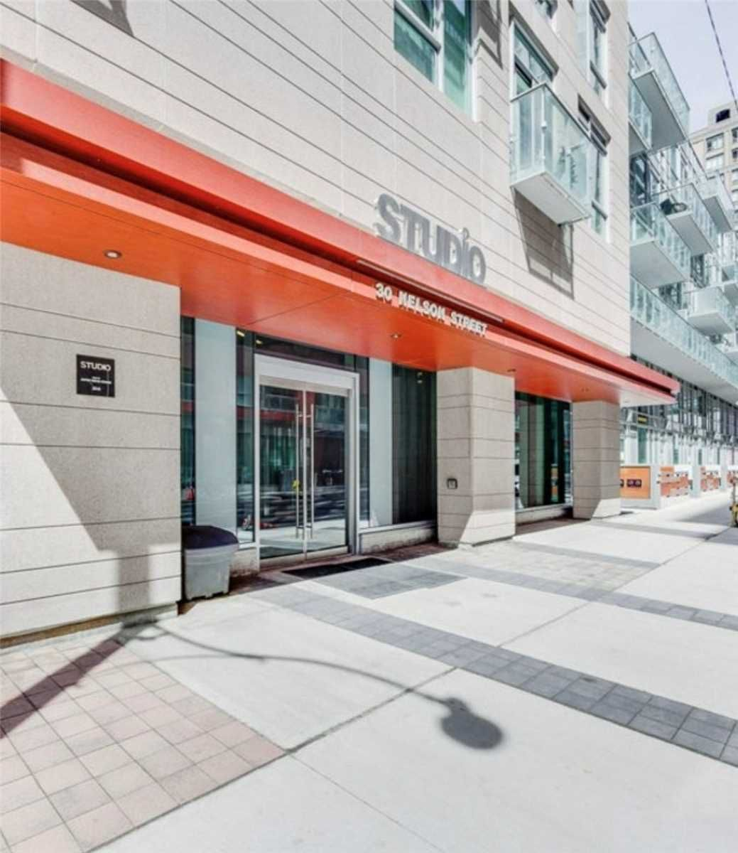 30 Nelson St, unit 1410 for rent in Toronto - image #1