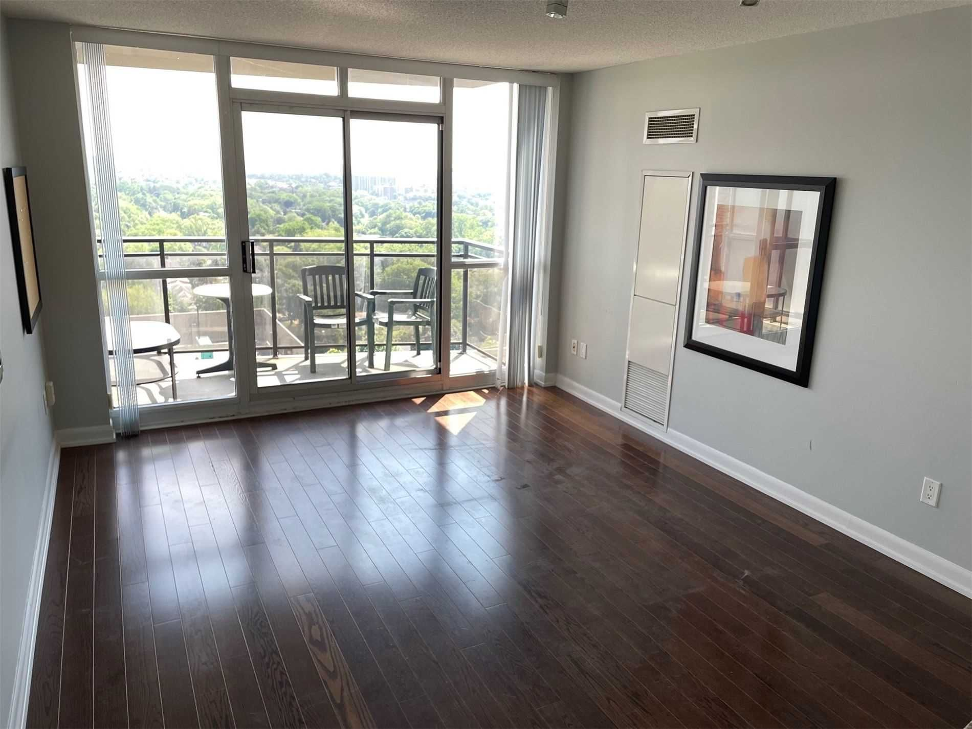 33 Sheppard Ave E, unit 2001 for rent in Toronto - image #2