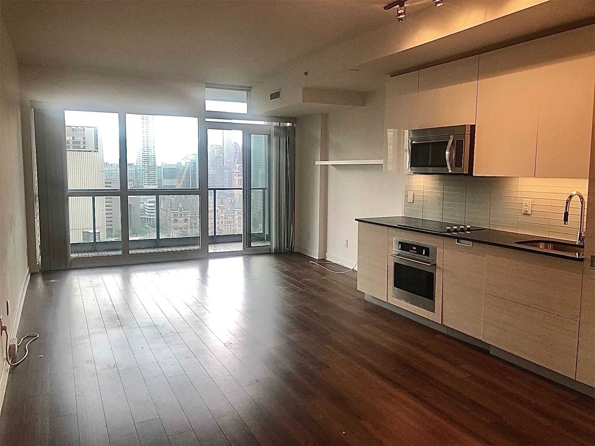 210 Simcoe St, unit 2306 for rent in Toronto - image #2