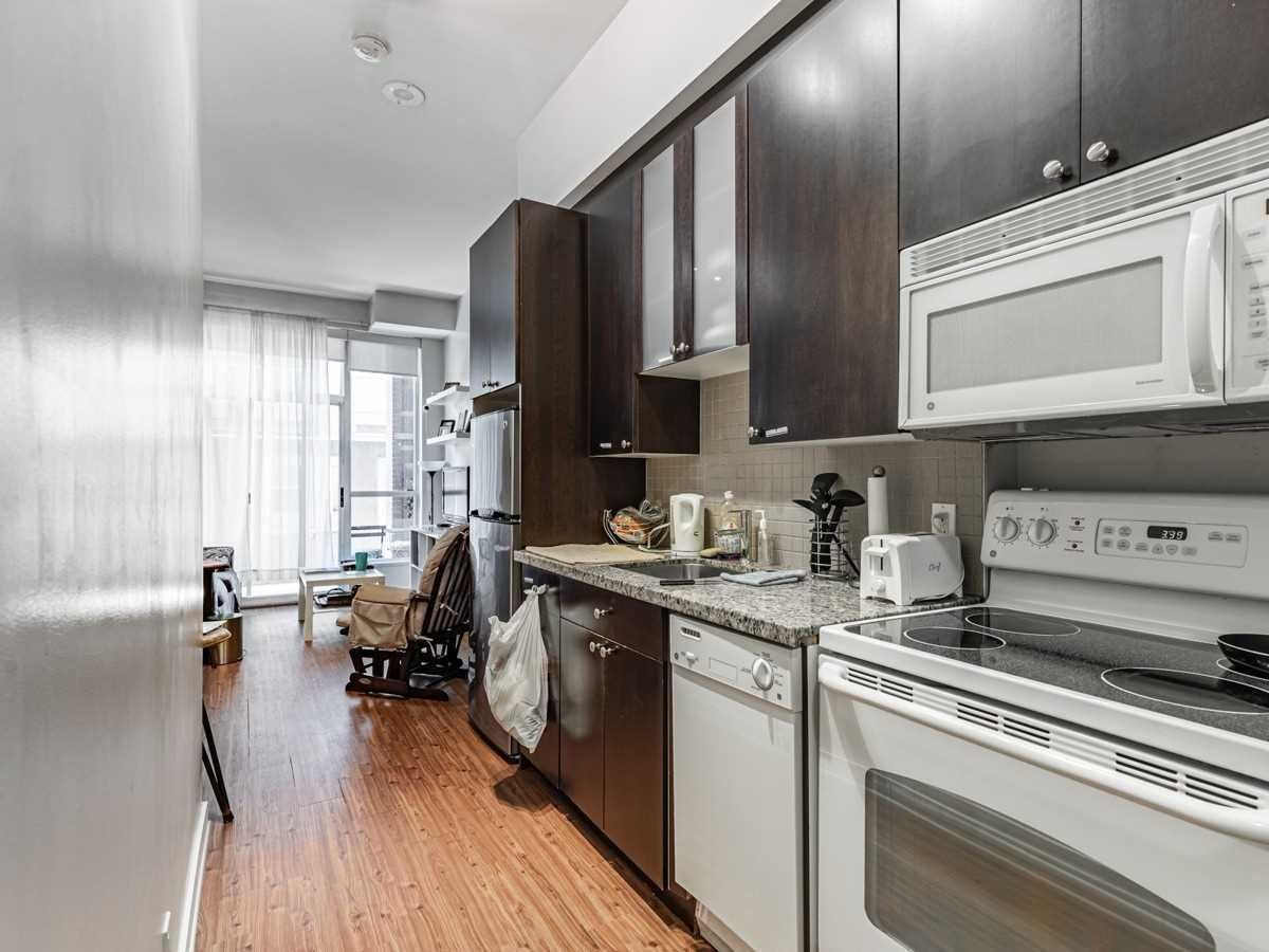 1005 King St W, unit 106 for sale in Toronto - image #2