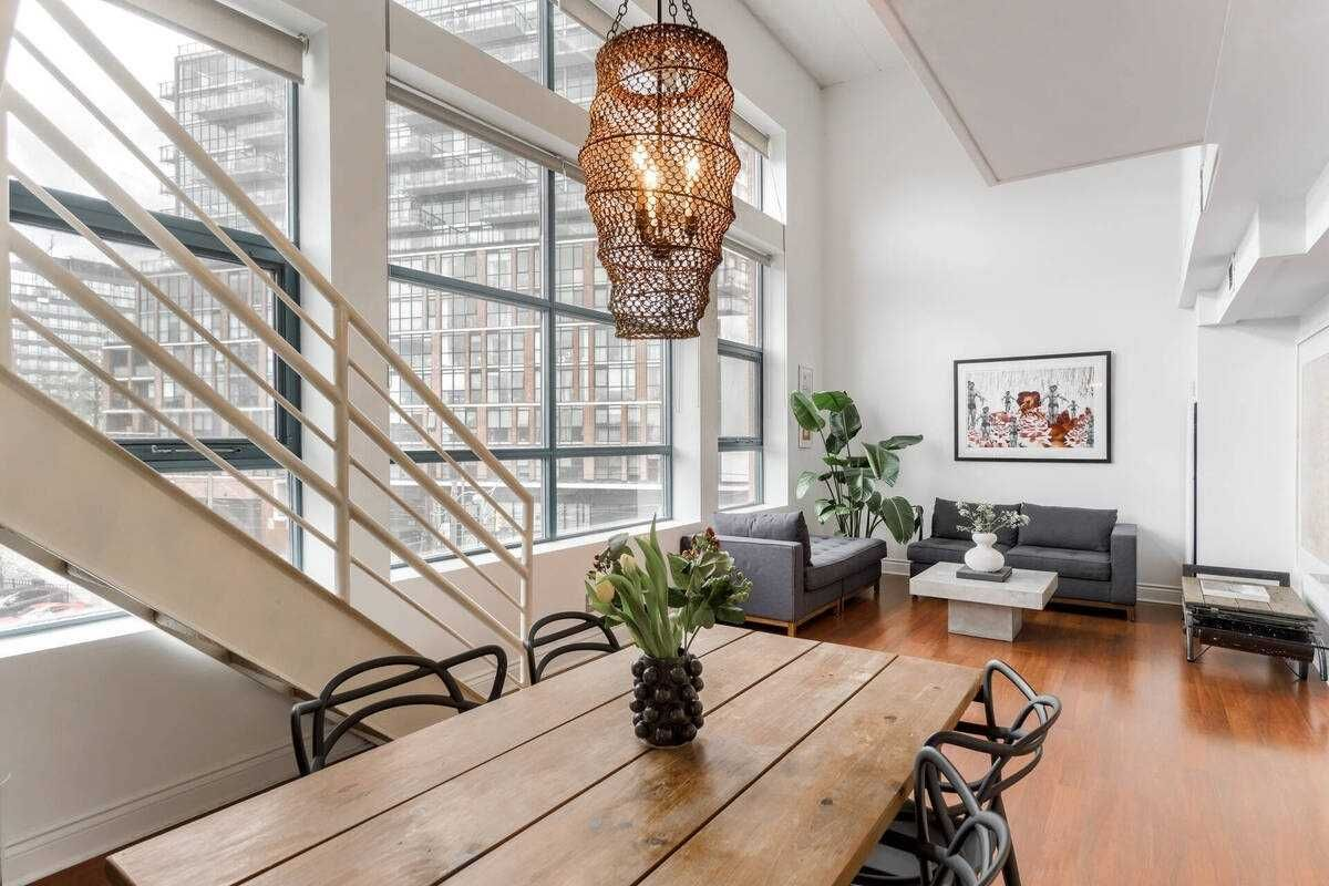 393 King St E, unit 303 for sale in Toronto - image #1