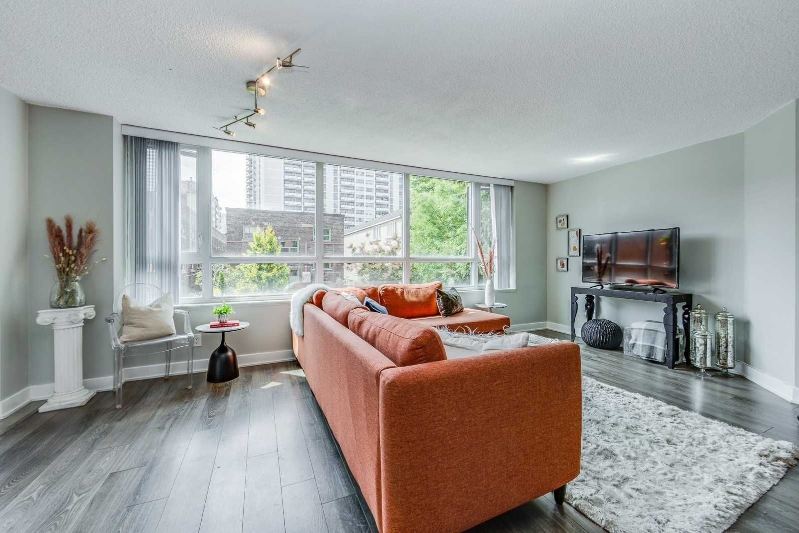 55 Wellesley St E, unit 202 for sale in Toronto - image #2
