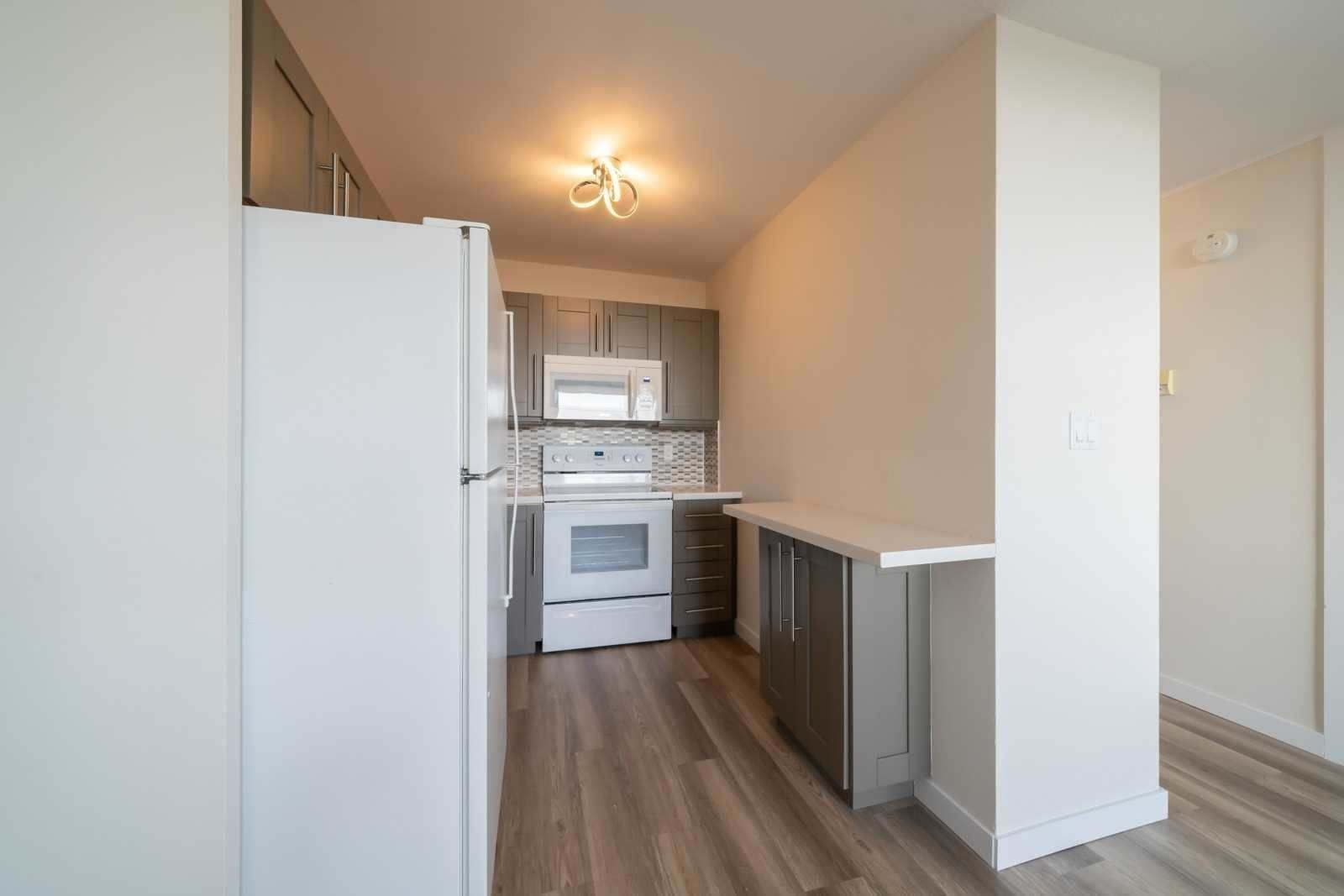 40 Homewood Ave, unit 1810 for rent in Toronto - image #2