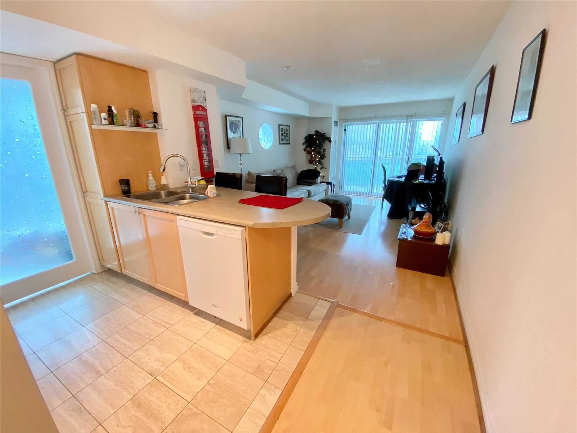 600 Queens Quay Ave W, unit 803 for rent in Toronto - image #2