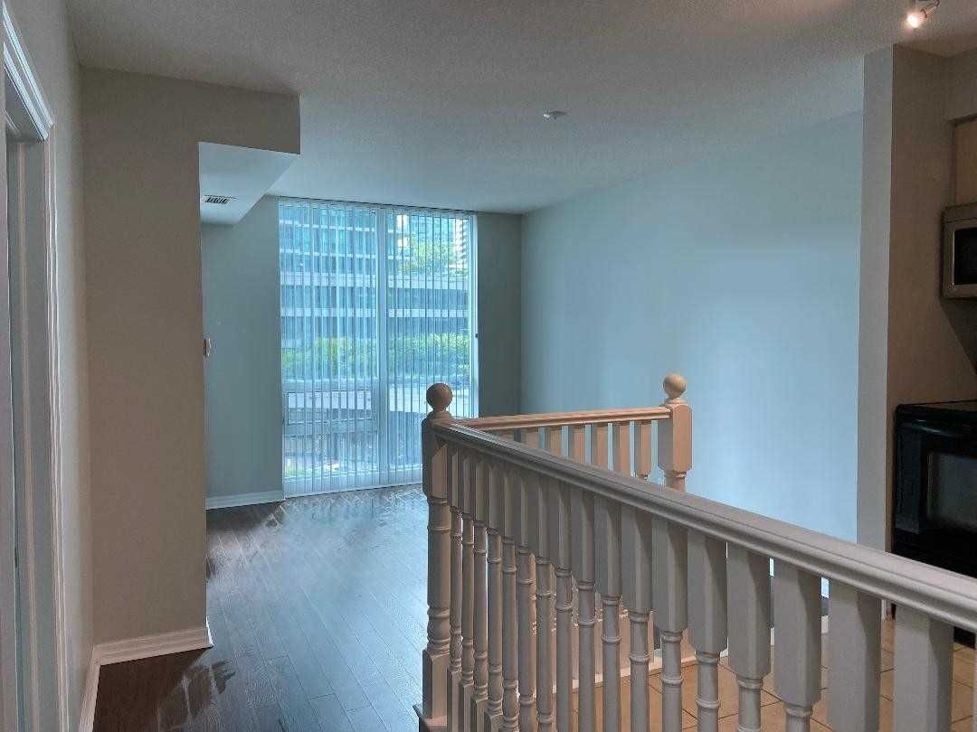 12 Yonge St, unit 313 for rent in Toronto - image #2