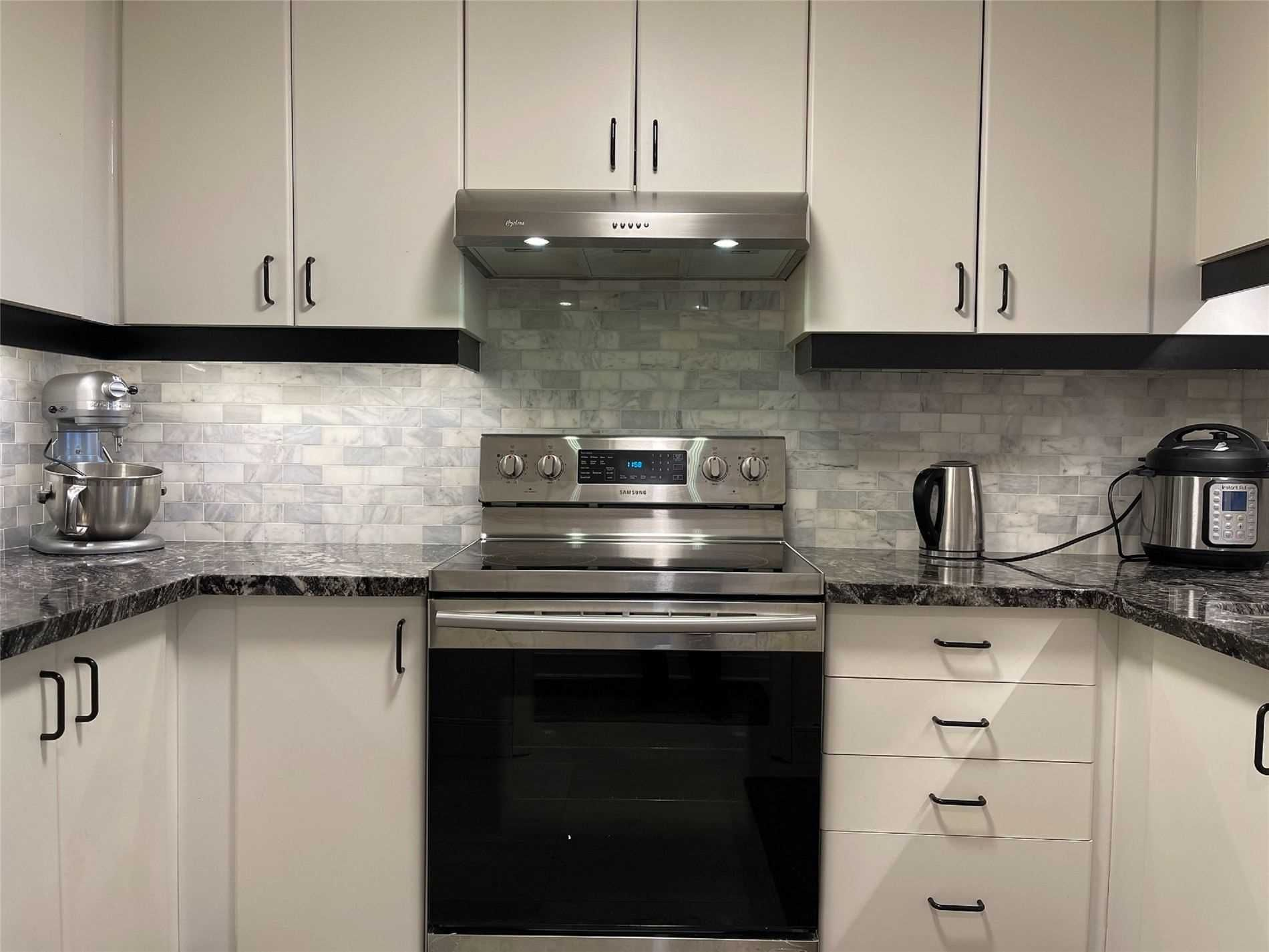 711 Bay St N, unit 1715 for rent in Toronto - image #2