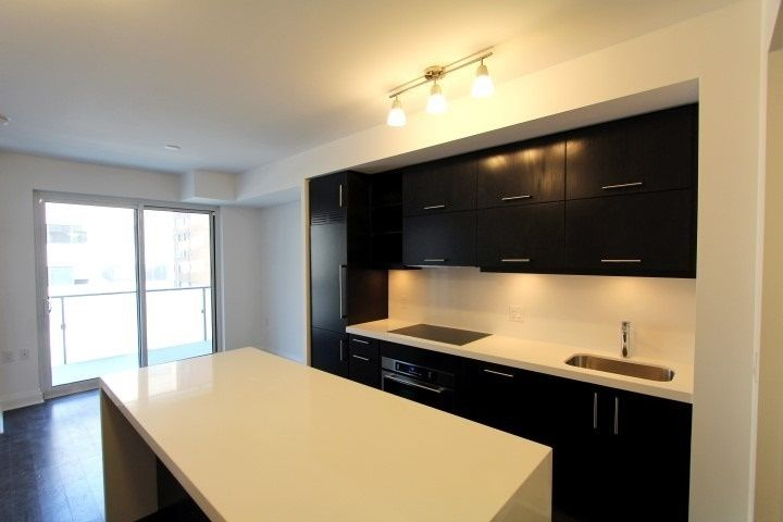 1080 Bay St, unit 1001 for rent in Toronto - image #2
